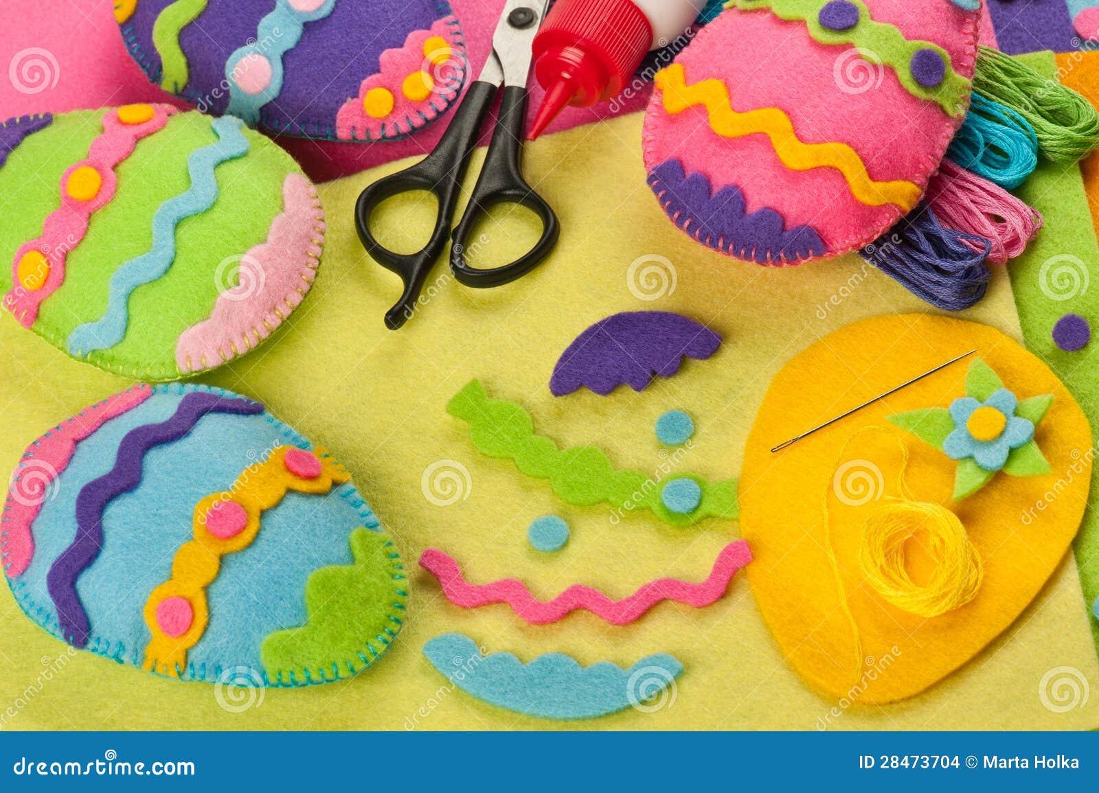 Decorazioni del feltro di pasqua di fai da te fotografia stock immagine di handmade ornamento - Fai da te pasqua decorazioni ...