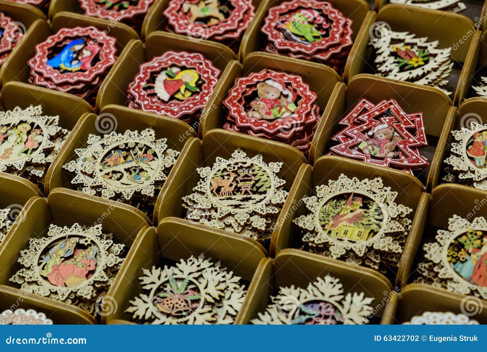 Decorazioni albero a mano oltre idee su decorazioni - Decorazioni natalizie fatte a mano per bambini ...