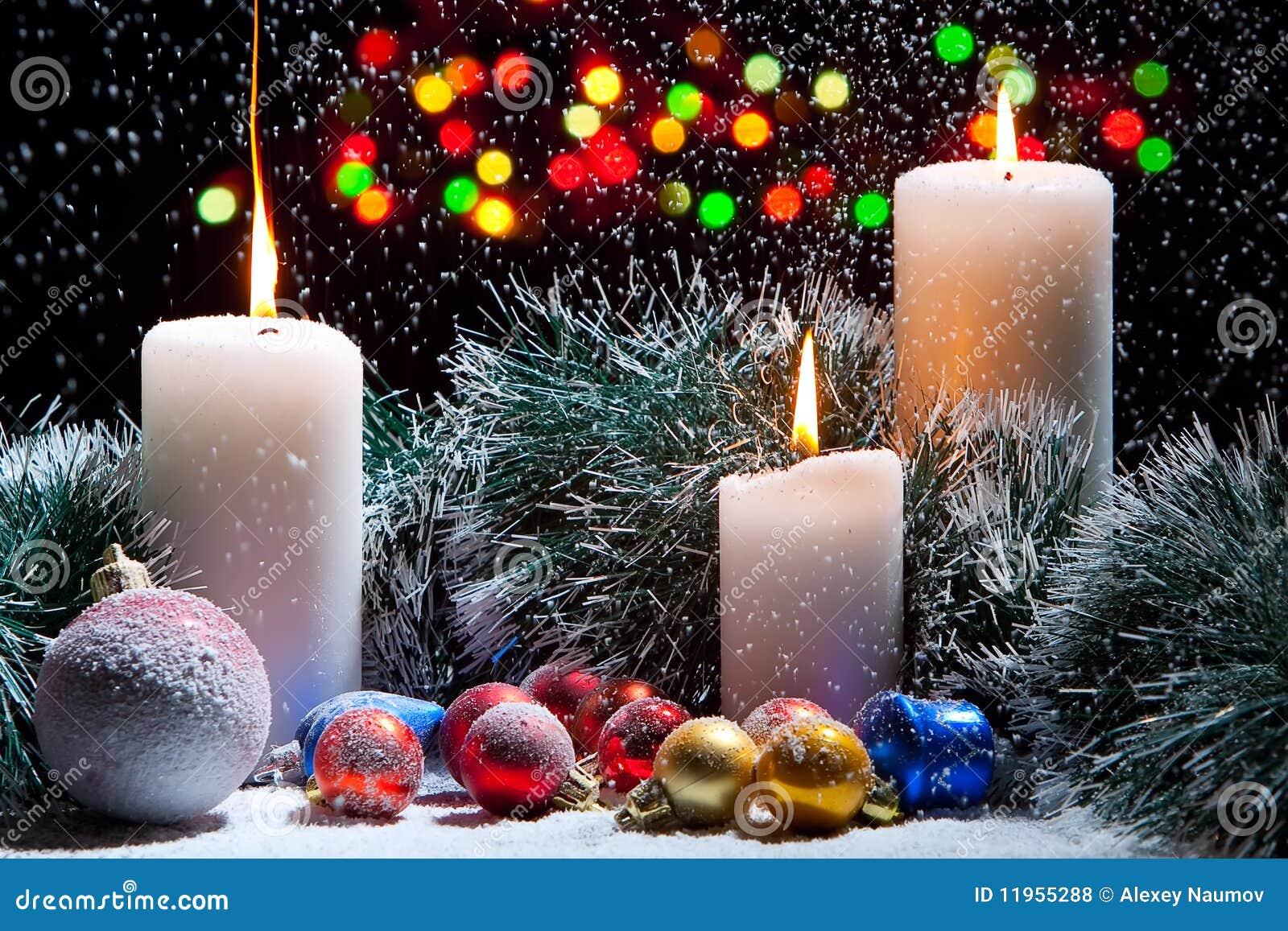 Decorazioni di natale con le candele fotografia stock - Decorazioni natalizie con candele ...