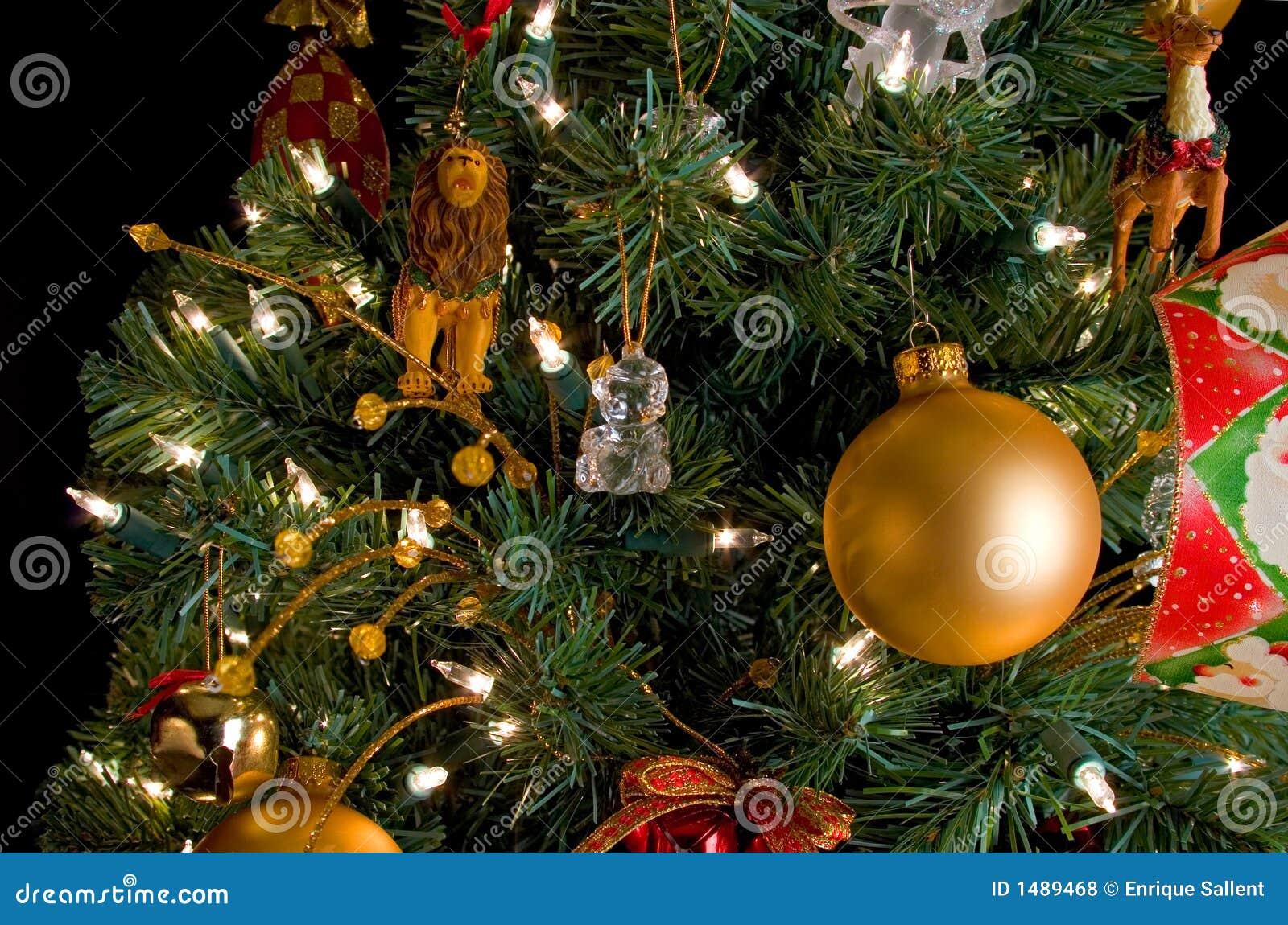 Decorazioni di natale su un albero fotografia stock - Decorazioni albero natale ...