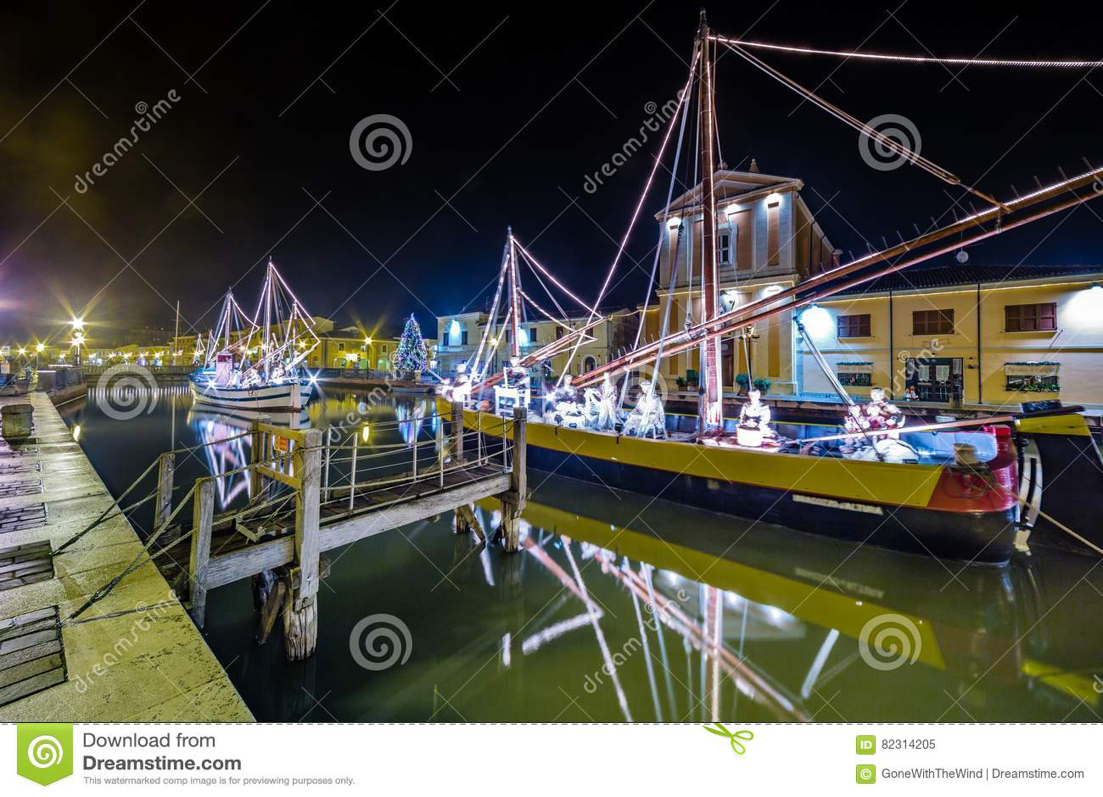 Decorazioni, luci e Marine Crib di Natale