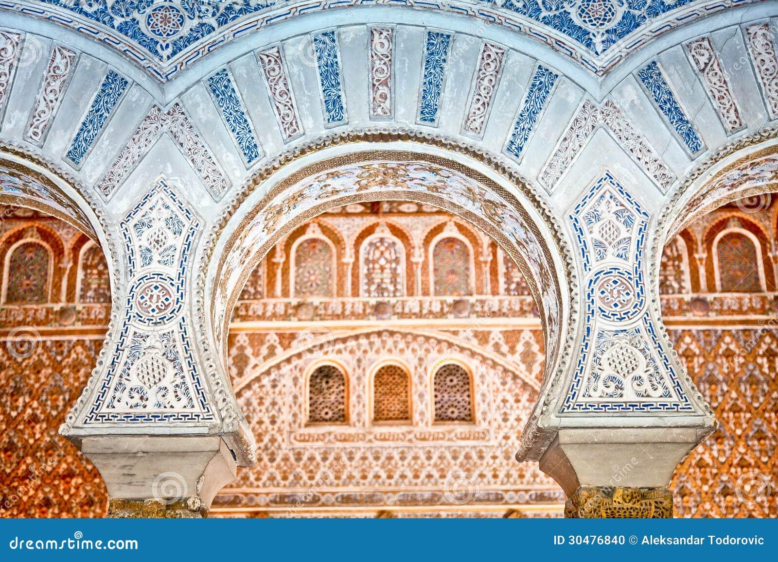 Decorazioni negli alcazar reali di Siviglia, Spagna.