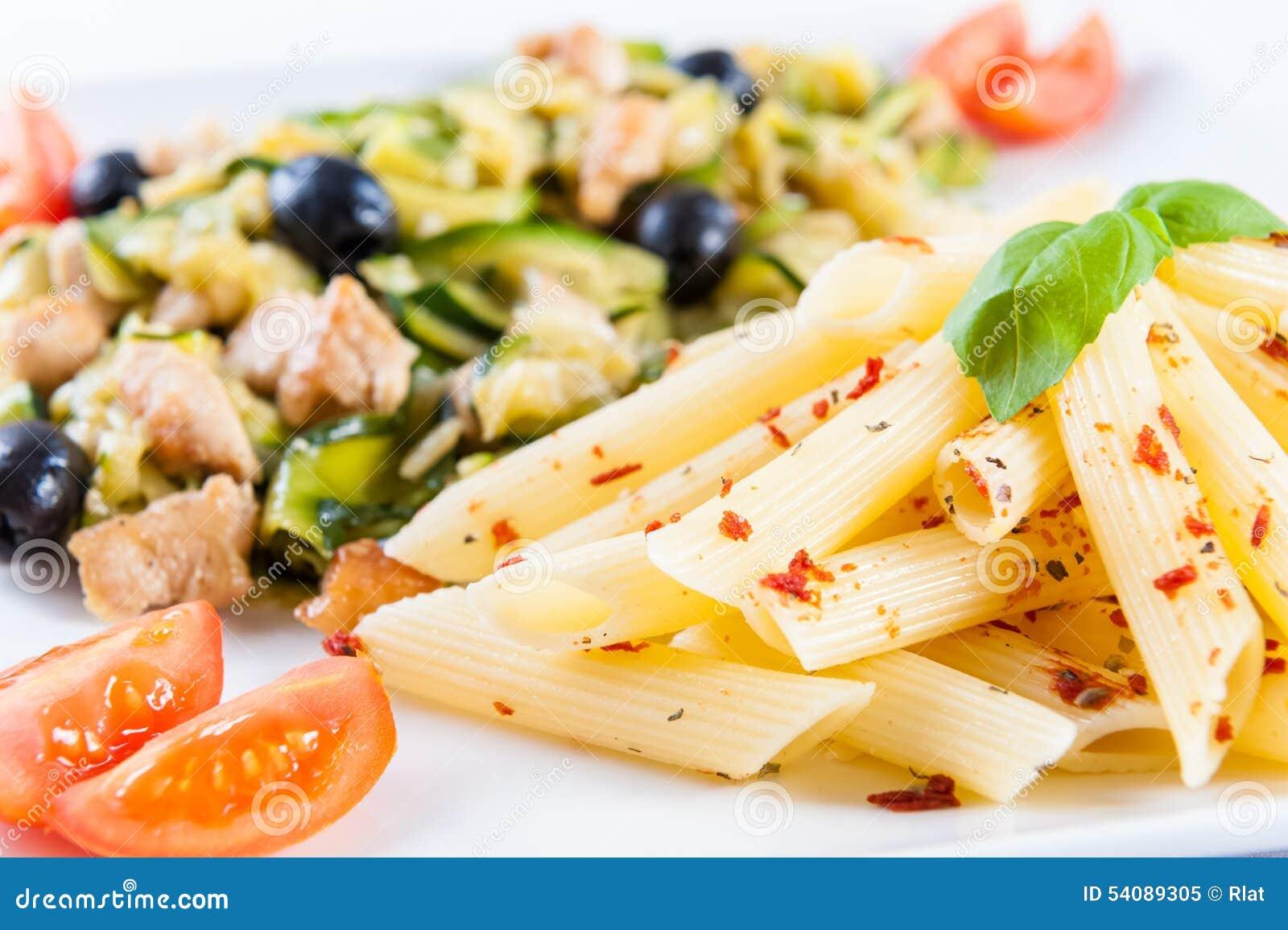 Deegwaren met groenten