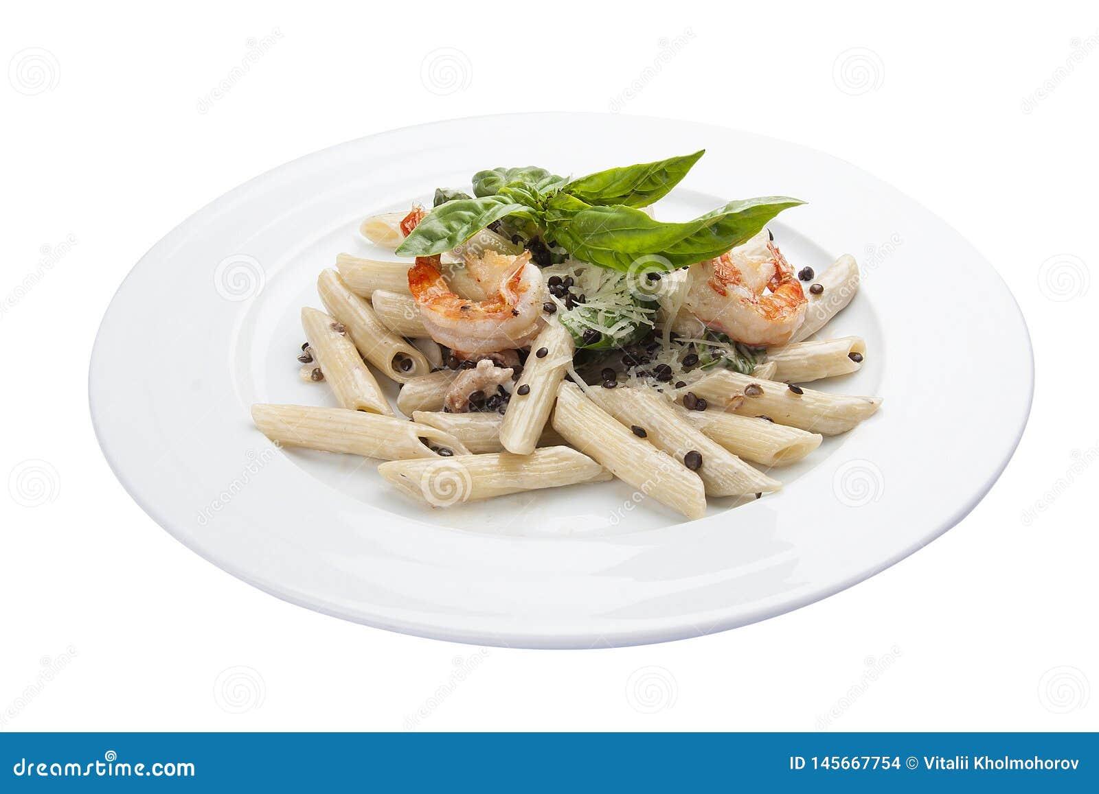 Deegwaren met linzen en garnalen Traditionele Italiaanse schotel