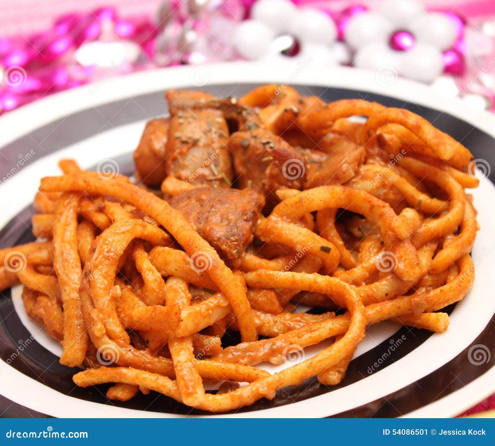 Deegwaren met vlees