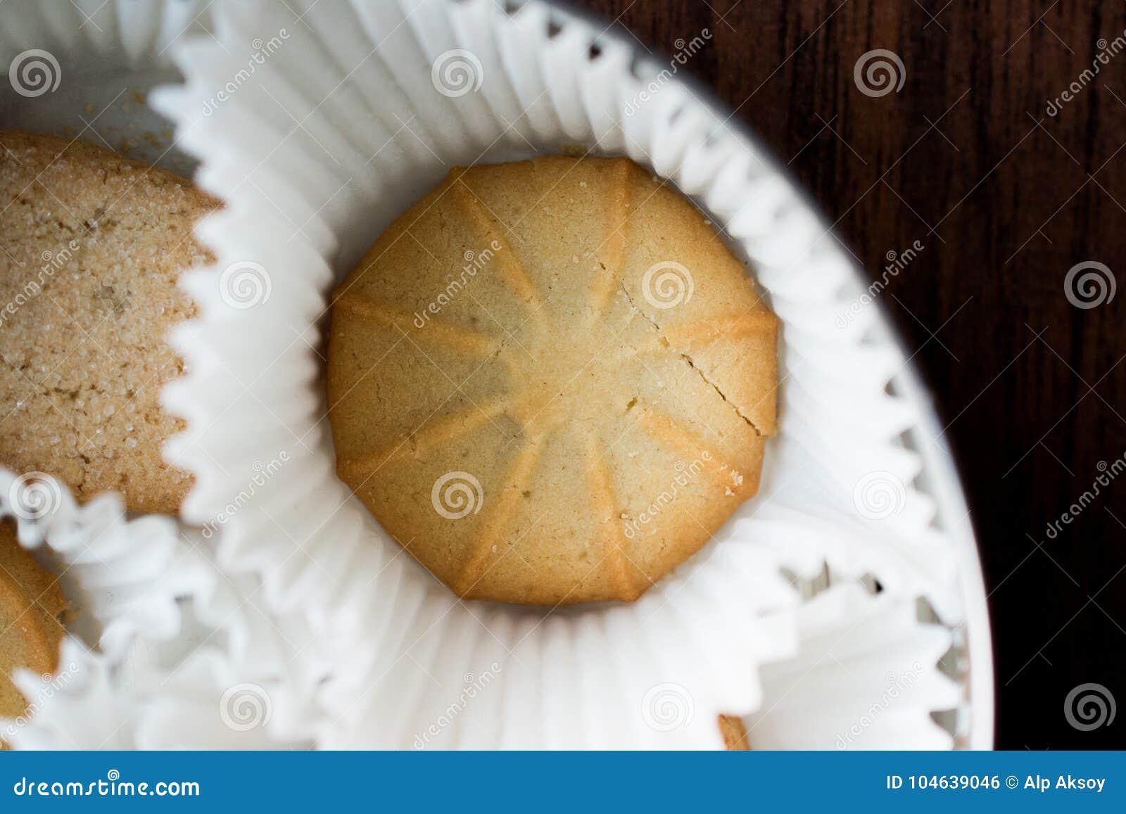 Download Deense Boterkoekjes In Doos Stock Foto - Afbeelding bestaande uit gebakken, gastronomisch: 104639046