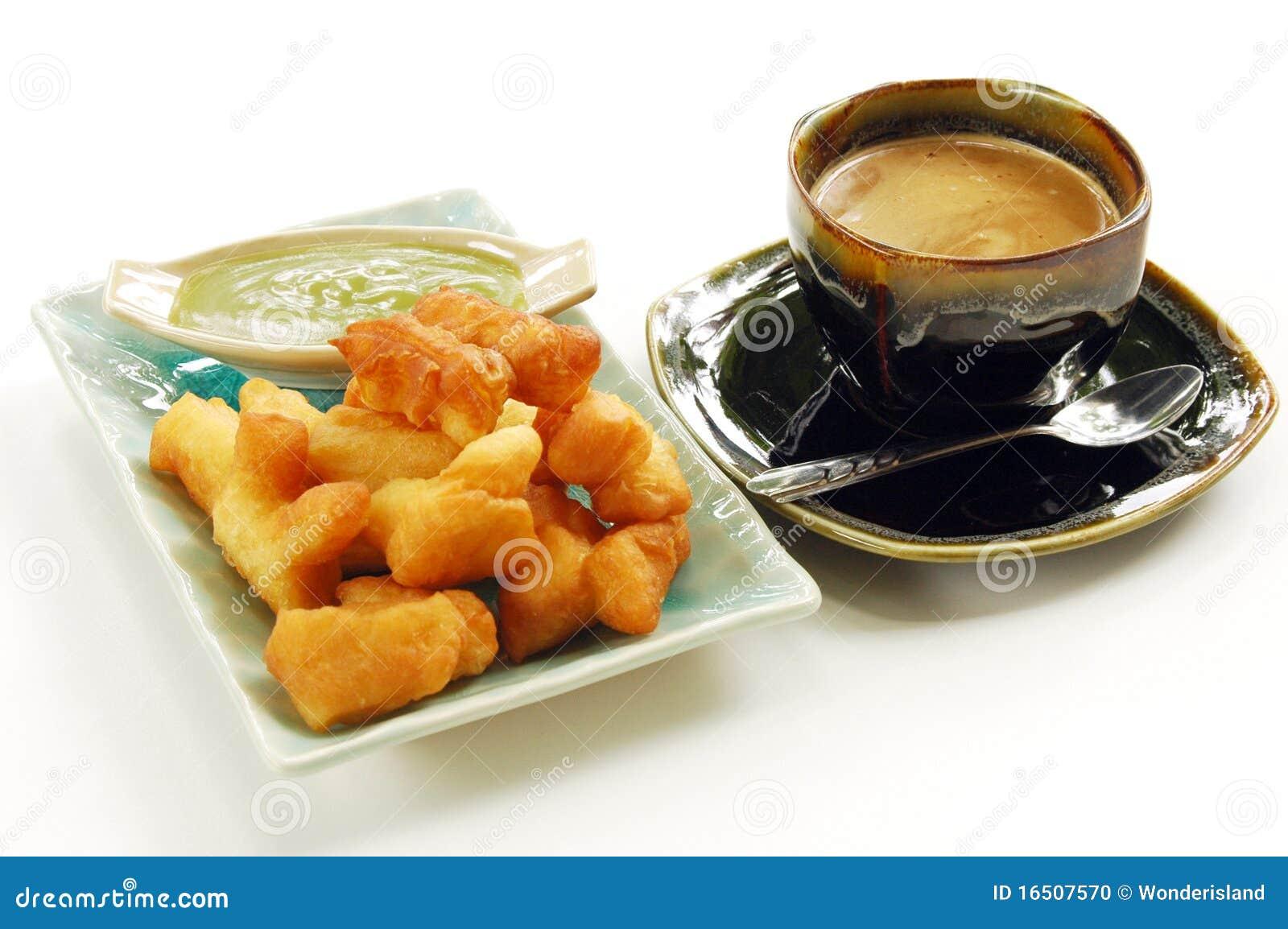 Deep-fried doughstick with local coffee