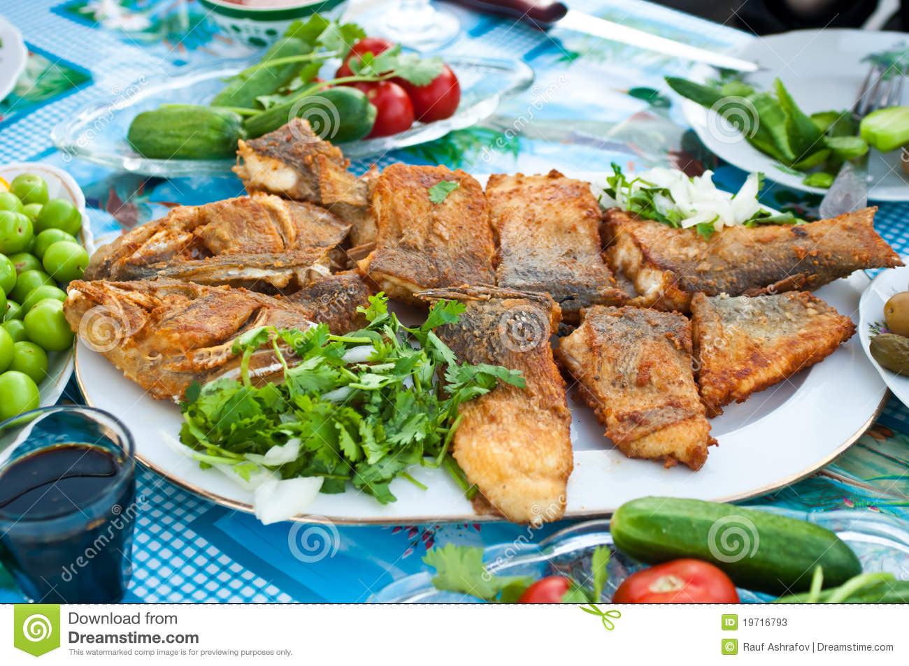 Deep fried whole fish stock photos image 19716793 for Deep fried whole fish