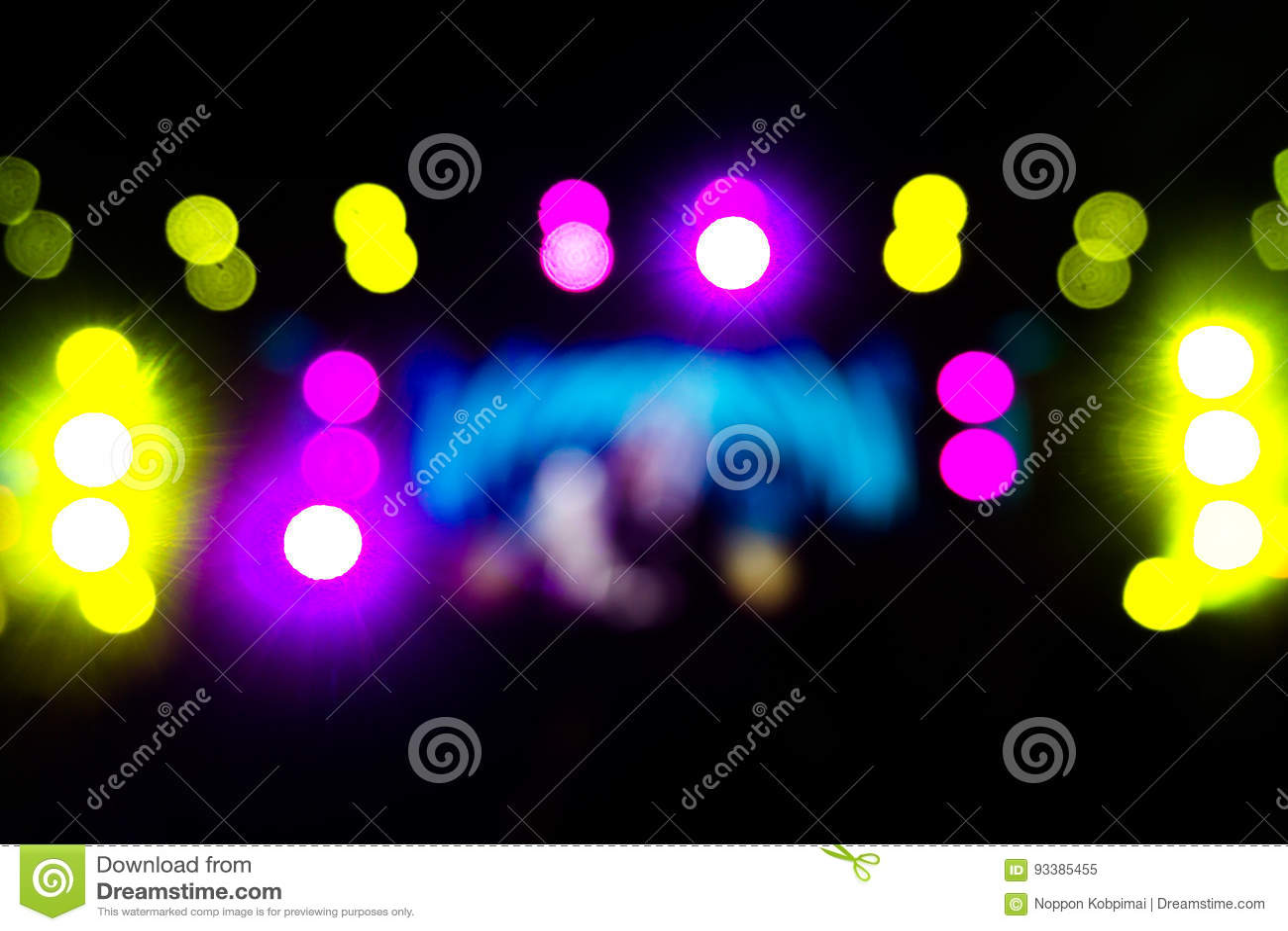 Defocused rozrywka koncerta oświetlenie na scenie, festiwal wigilia