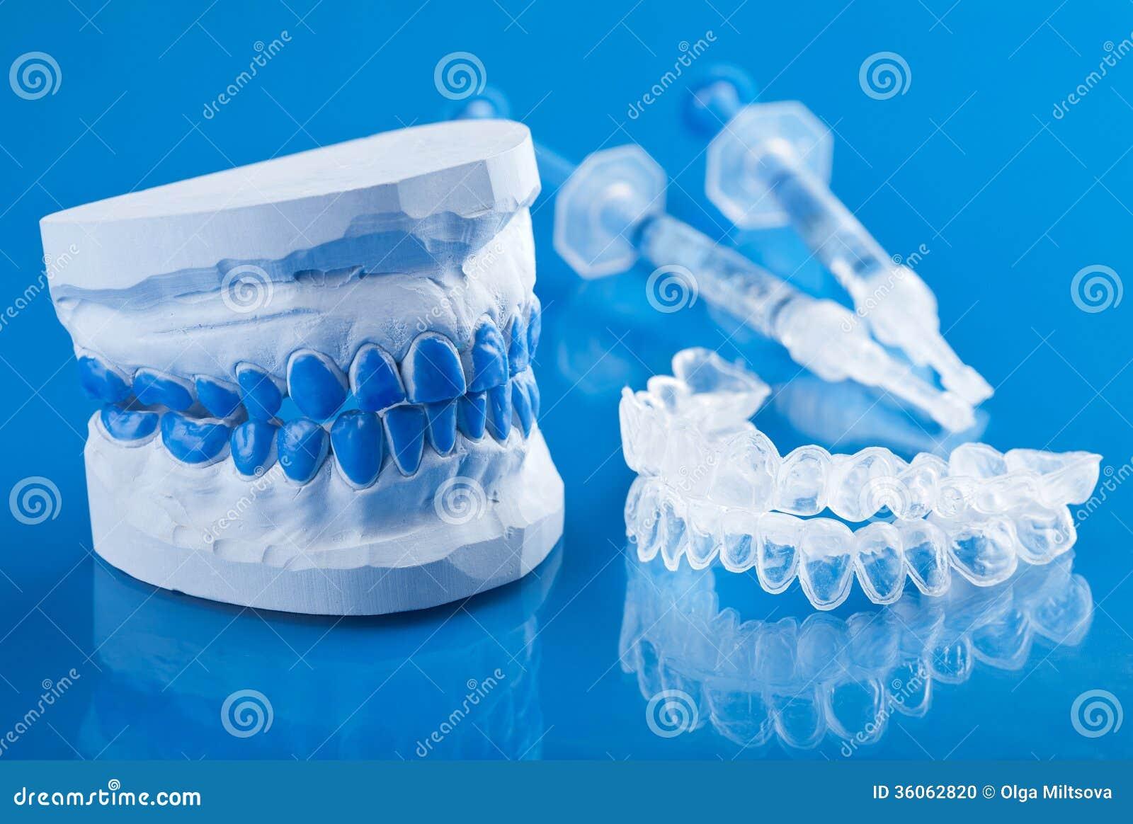 Deformacao Permanente Para Clarear Dos Dentes Foto De Stock Imagem