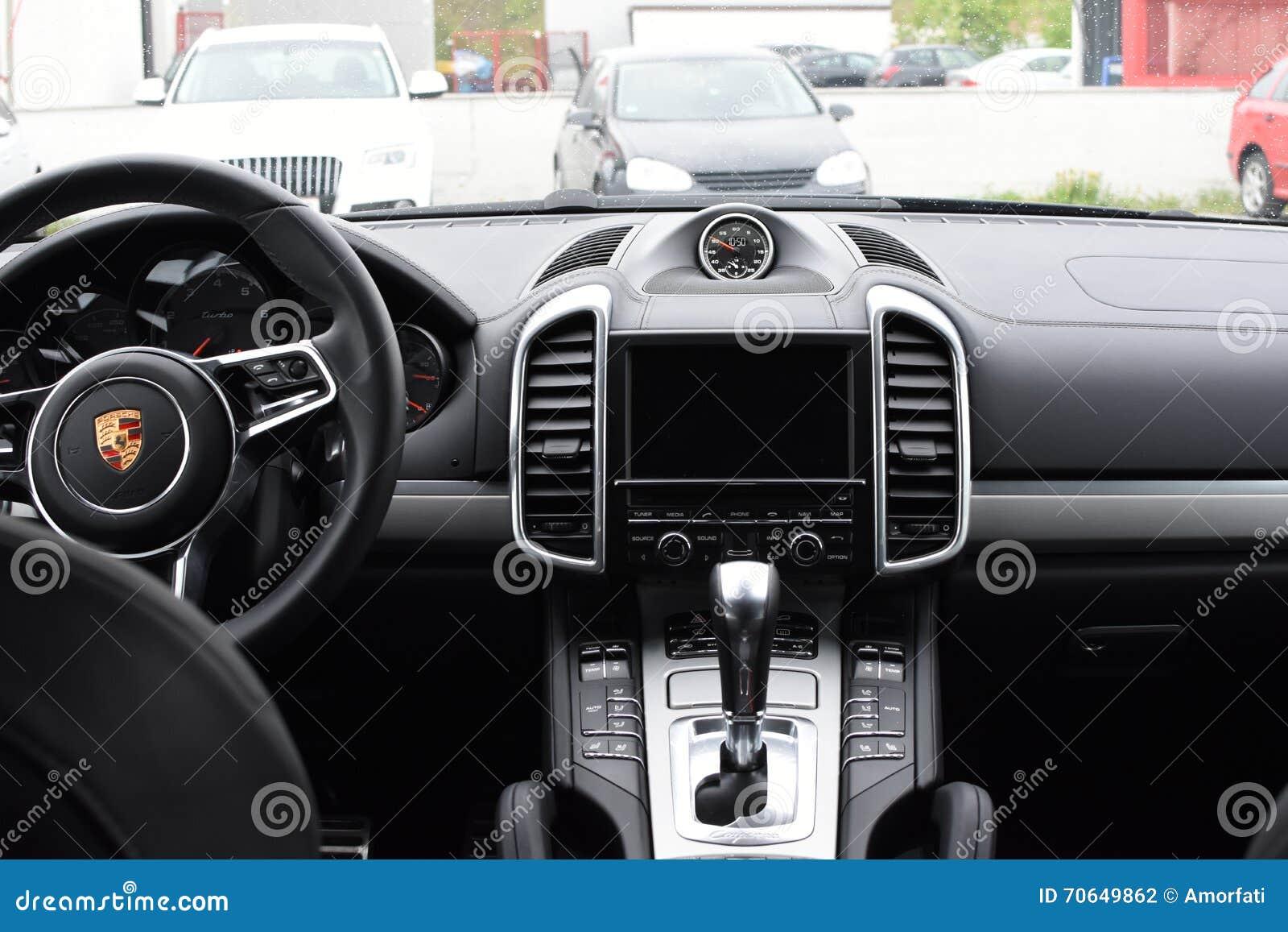 april 2016 interior of a 2016 porsche cayenne turbo - 2016 Porsche Cayenne Interior