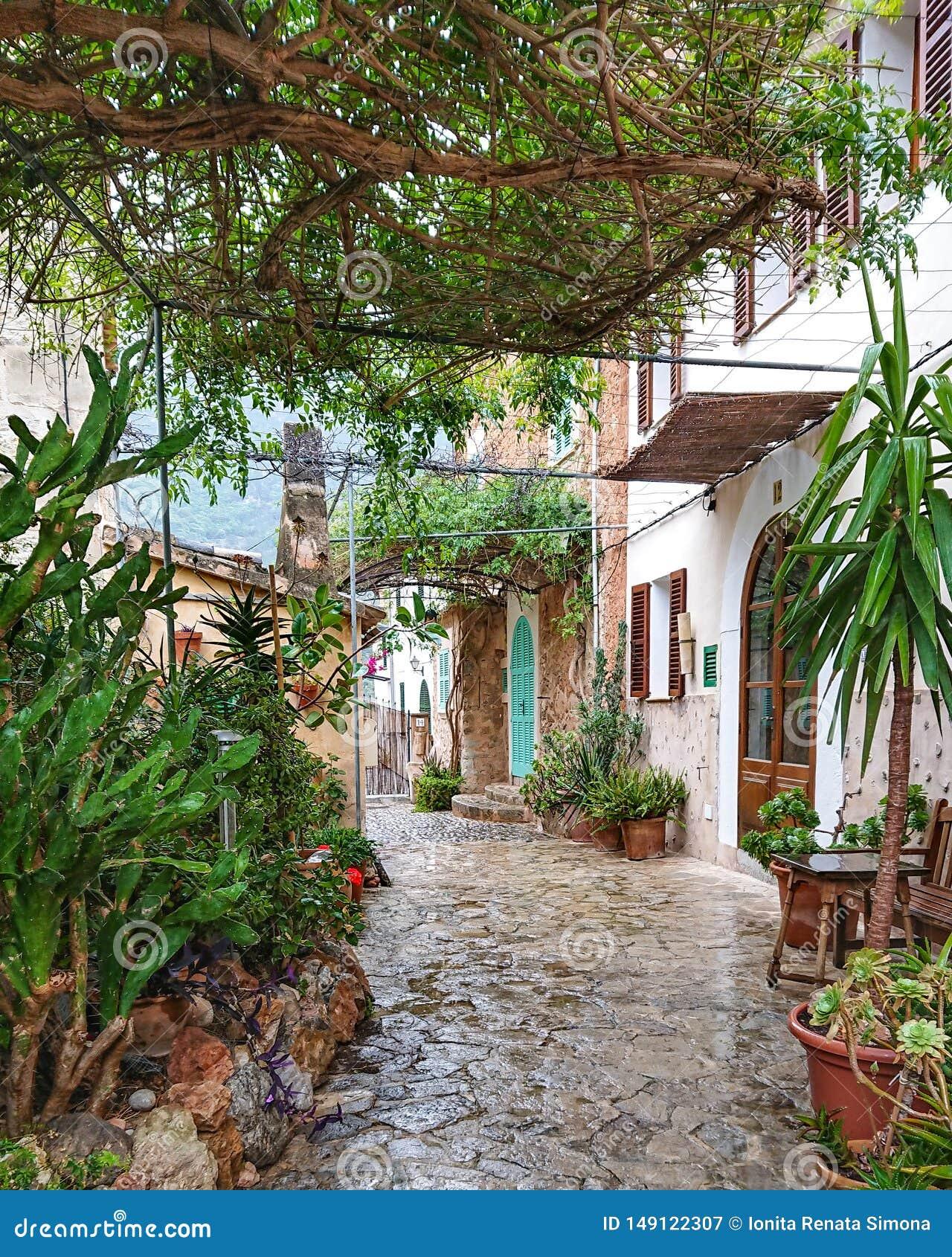 Deià stad i den Mallorca ön, Spanien