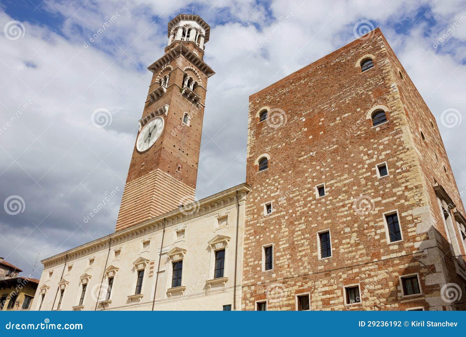 Download Dei Lamberti De Torre Em Verona Foto de Stock - Imagem de italiano, facade: 29236192