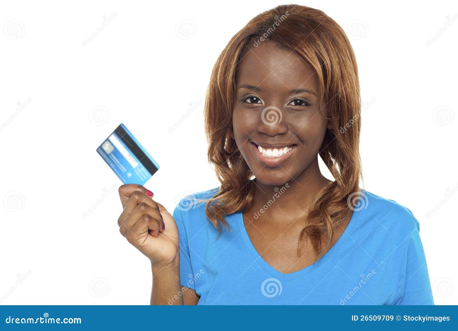 Deixa a loja e trocam o cartão de crédito