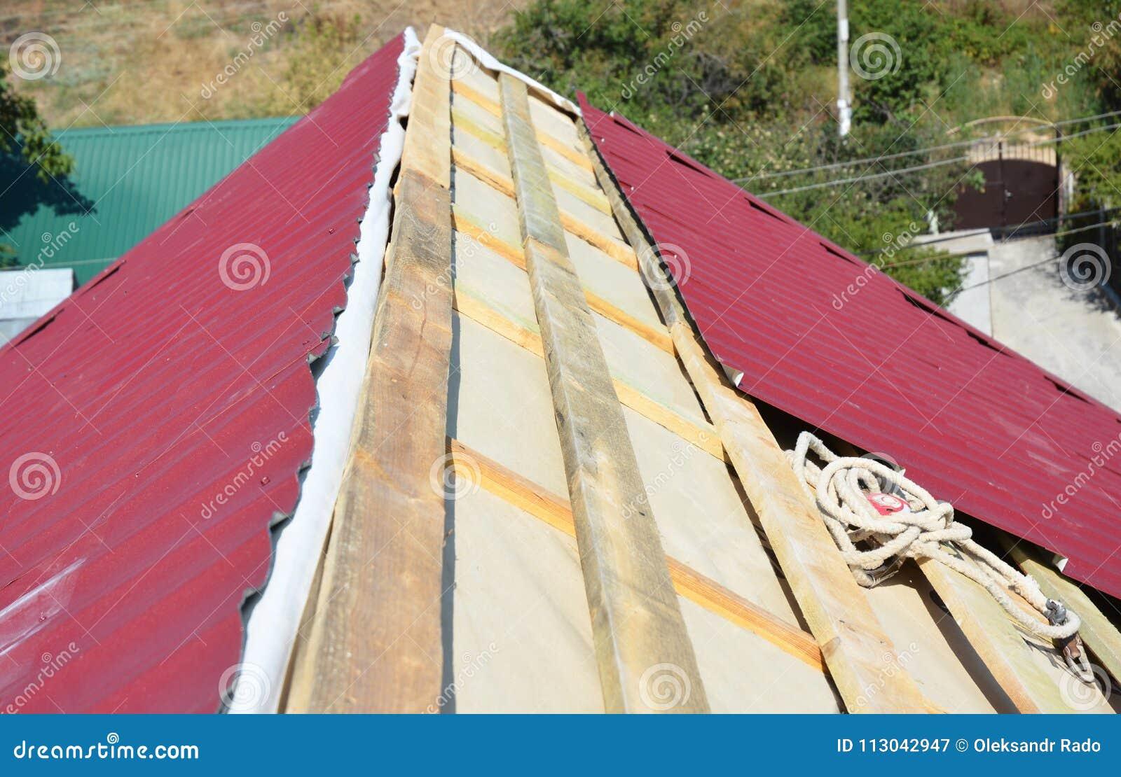 Dekarstwo kontrahenci Instaluje Domowego metali prześcieradeł dach Metalu dekarstwa budowa