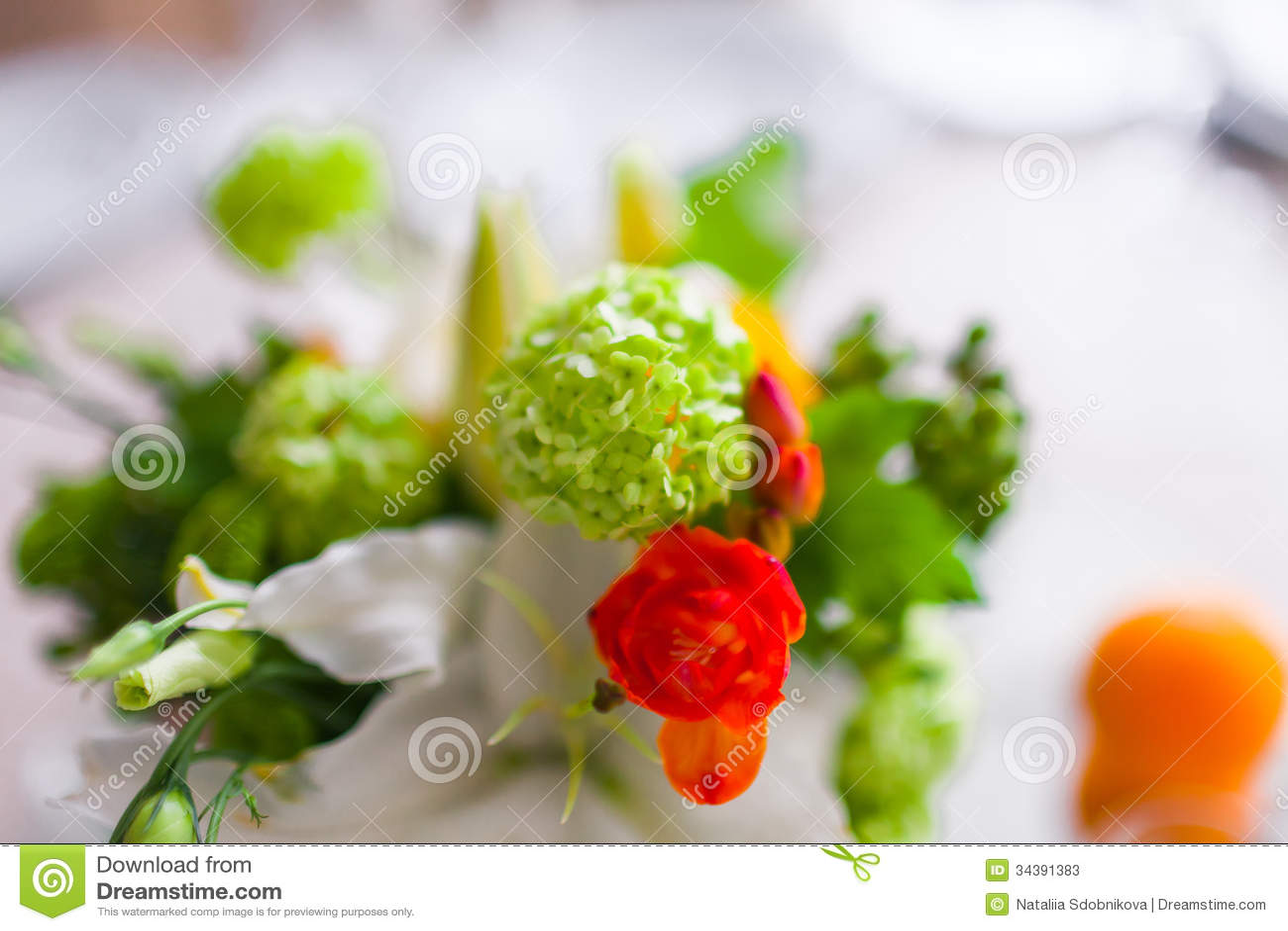 dekoration mit blumen und frucht stockbild bild 34391383. Black Bedroom Furniture Sets. Home Design Ideas