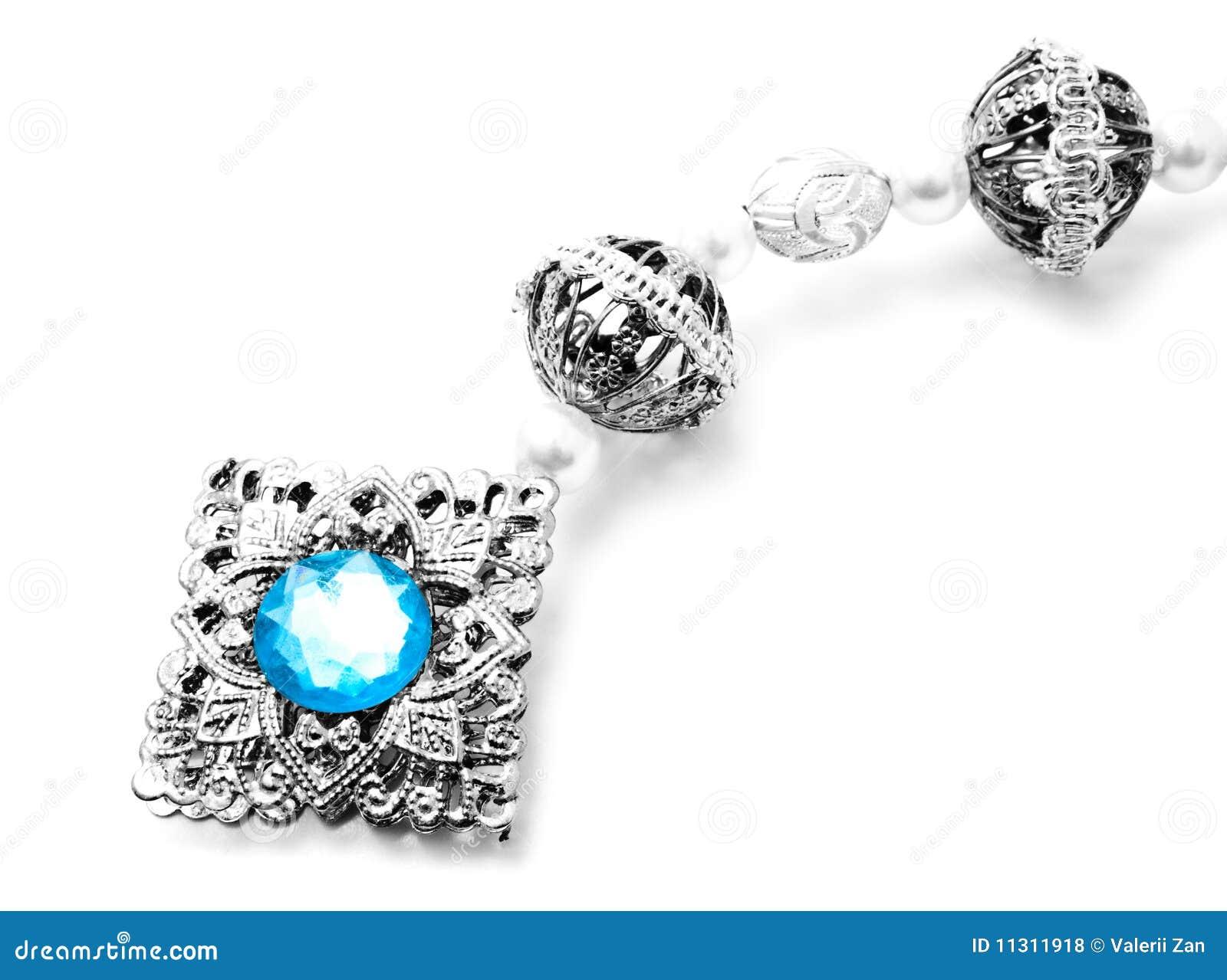 Dekoration mit einem blauen Stein