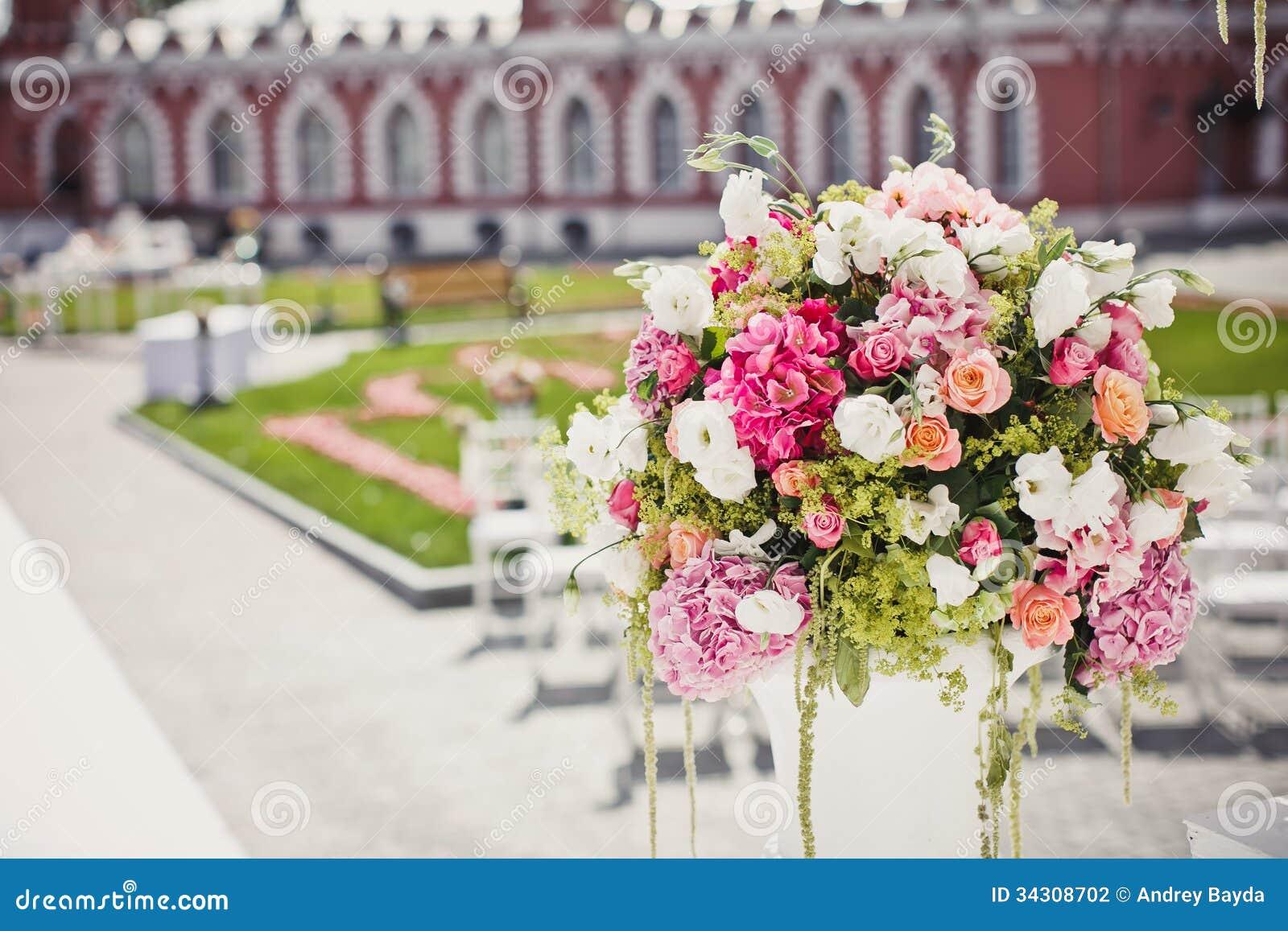 Dekoration Von Hochzeitsblumen Stockfoto Bild Von Fall Blatt