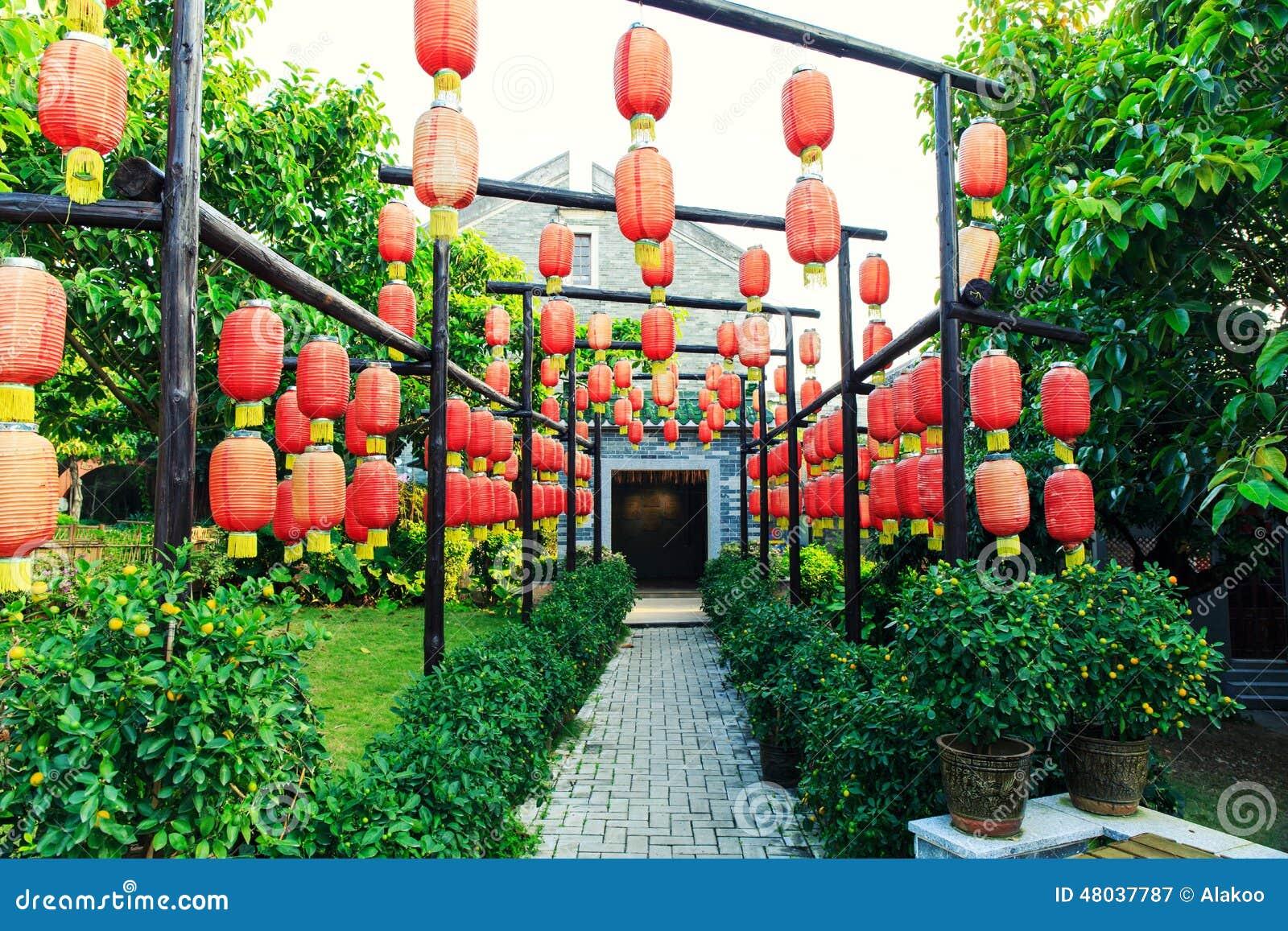 Dekorativa Lyktor För Traditionell Kines, Röda Kinesiska Pappers ...