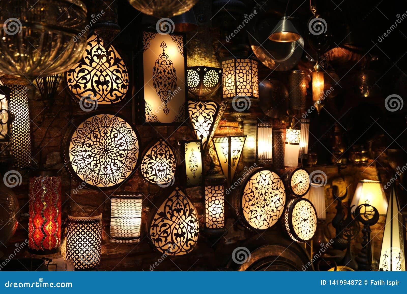 Dekorative Lampen im großartigen Basar Ä°stanbul