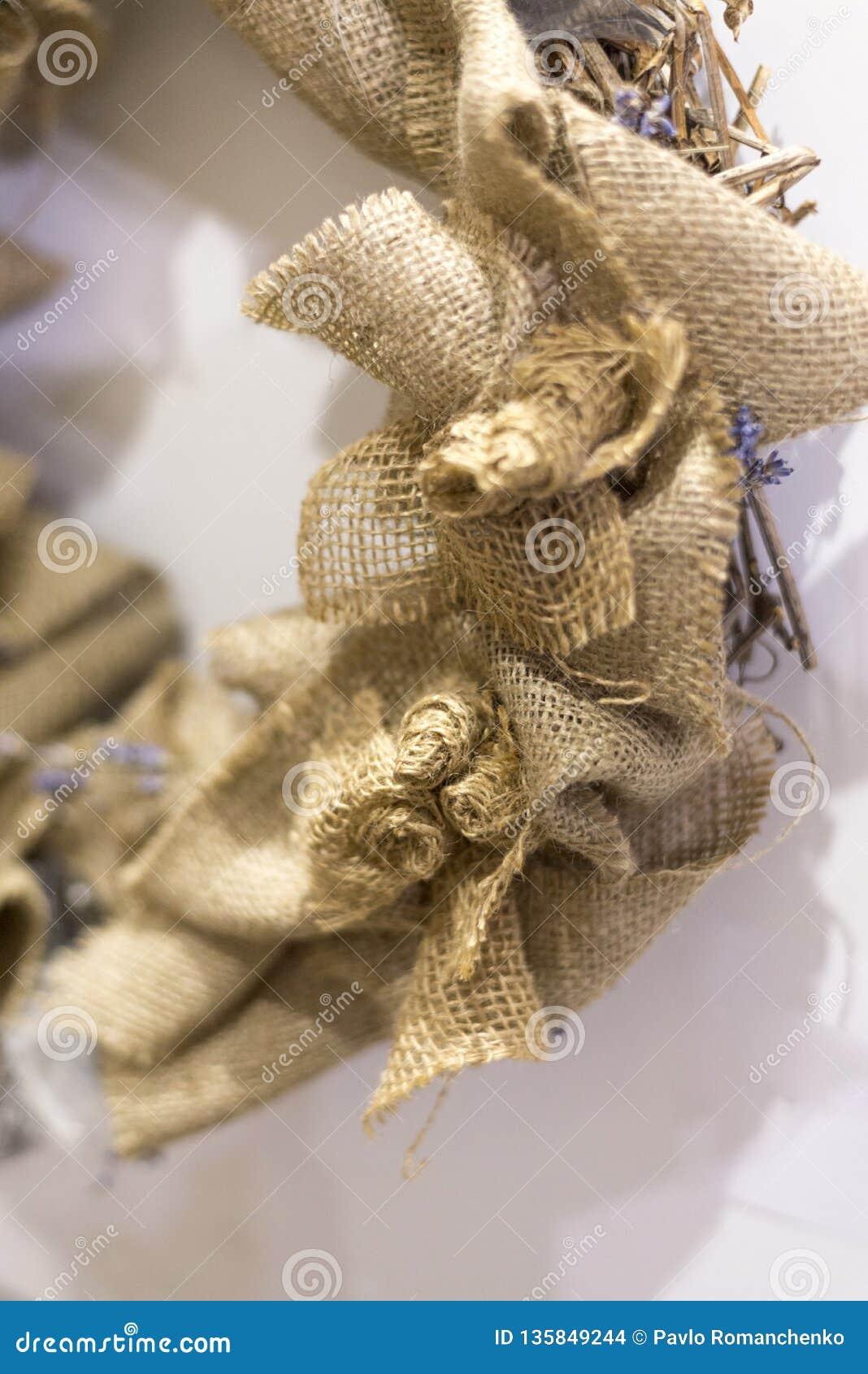 Dekoratives Leinwandprodukt, handgemachtes Weihnachtskranzfragment