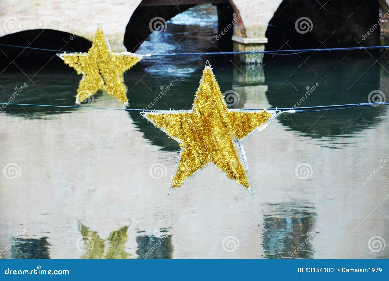 Dekoratives Weihnachten Spielt In Treviso, Venetien, Italien Die ...