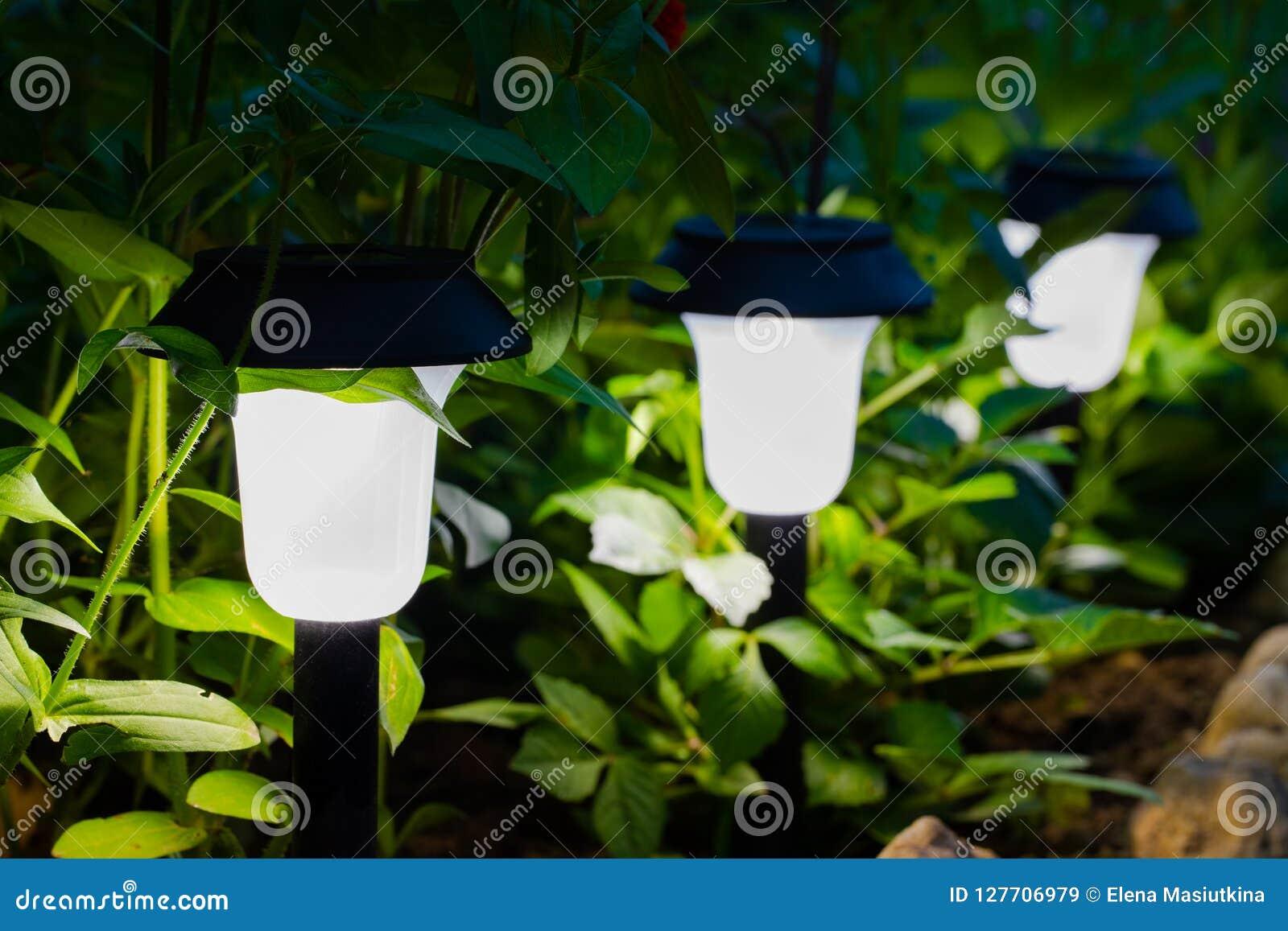 Dekorativt litet sol- trädgårds- ljus, lyktor i rabatt
