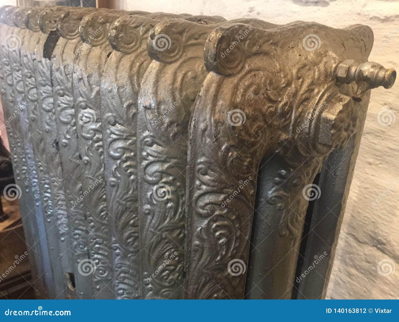 Dekorativt victorian element för att värma