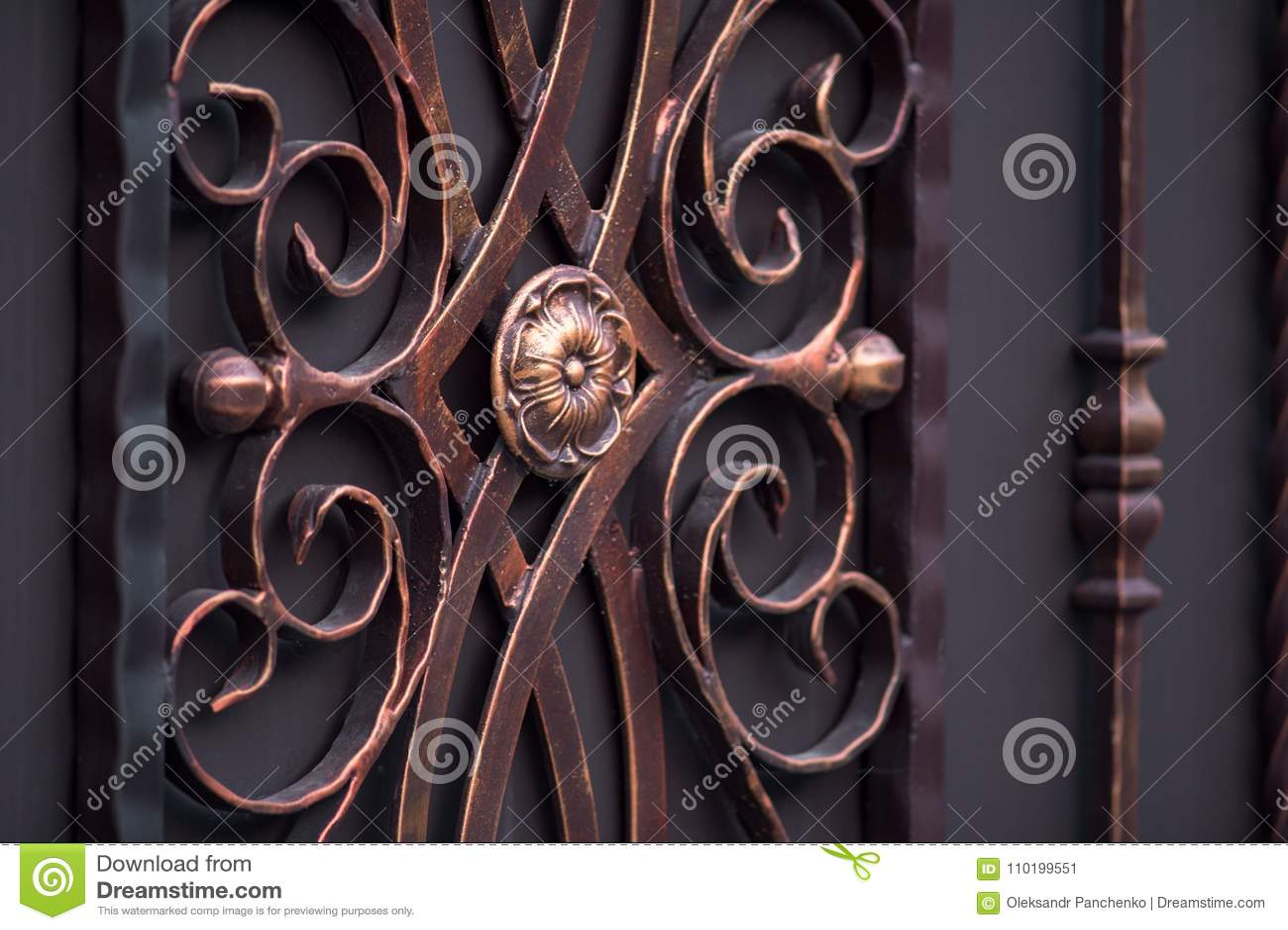 Dekorerade storartade smidesjärnportar, dekorativt smide, fo