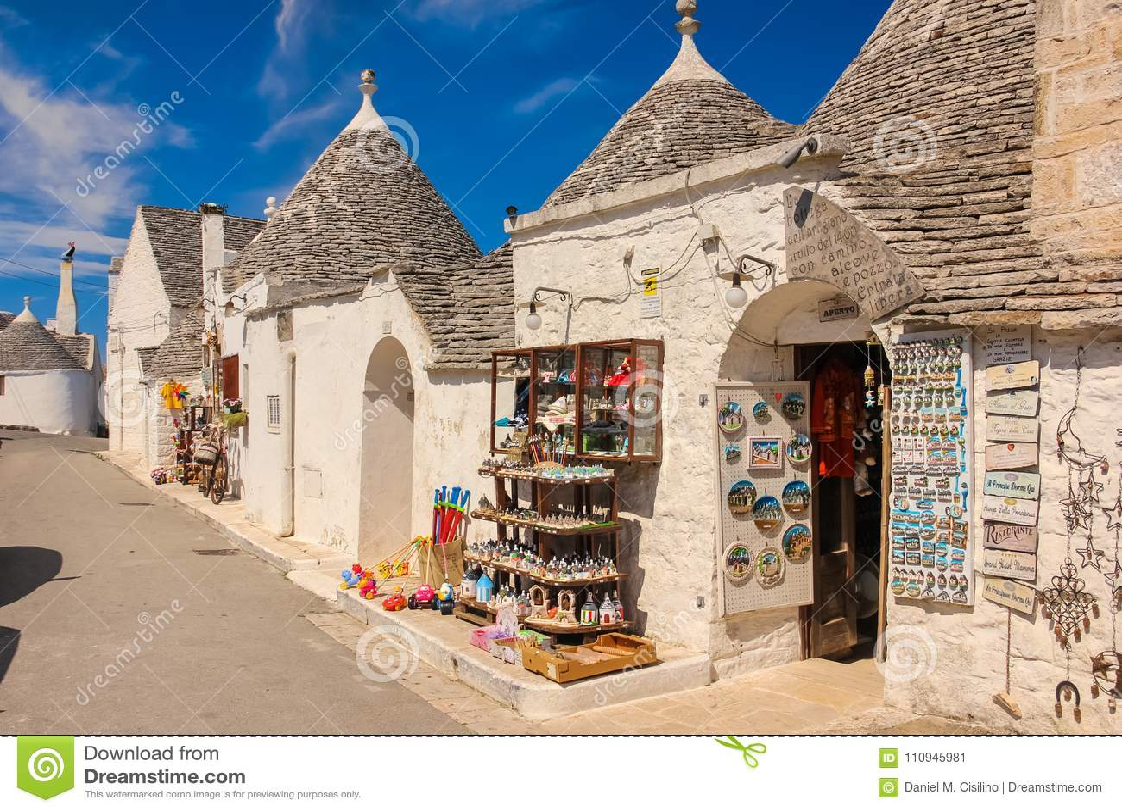 Dekorerade Trulli Alberobello Apulia italy