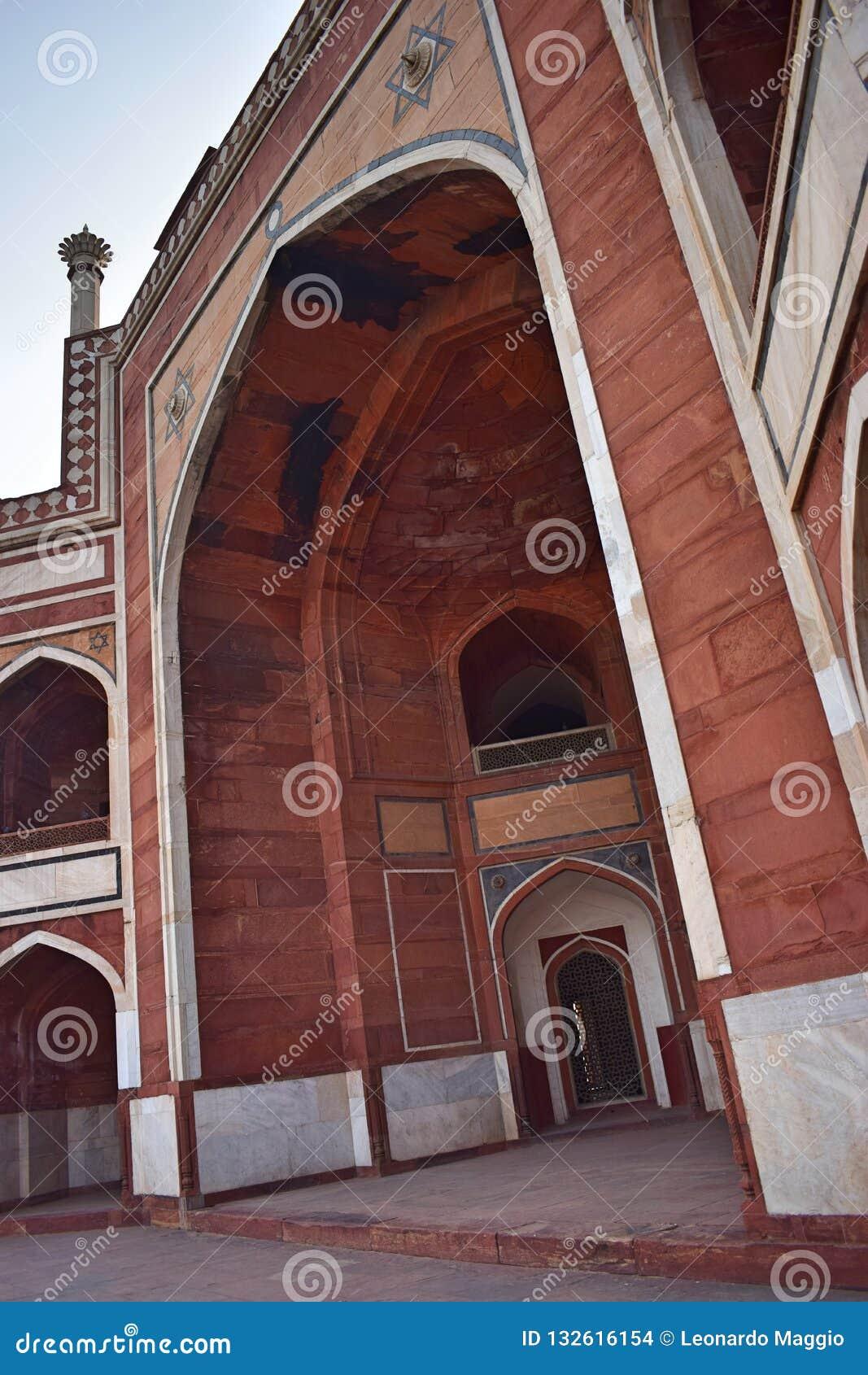 Del av forntida Humayun sens gravvalv i Delhi