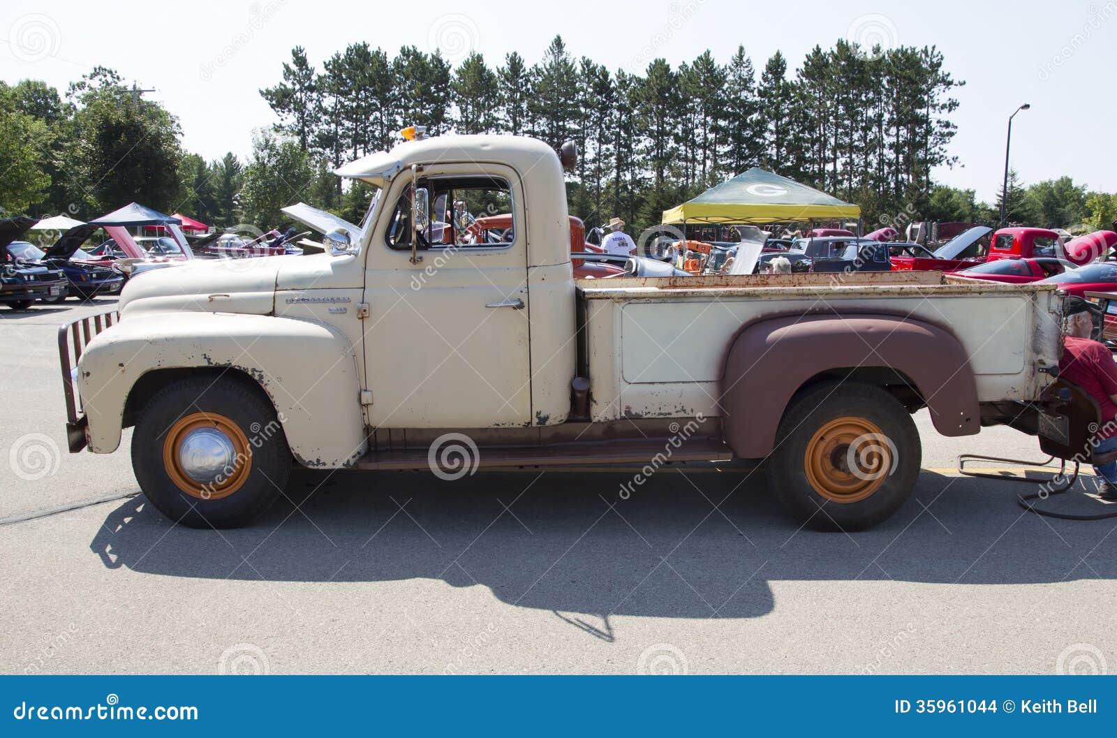 Del camión internacional 1952 vista lateral L-120
