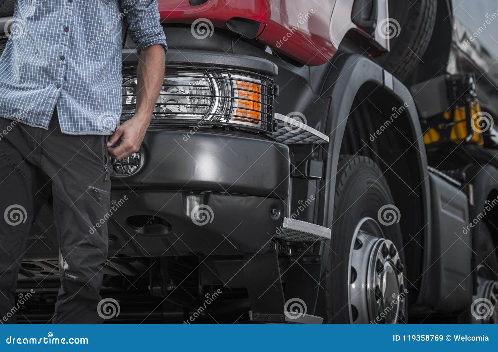 Del contratista buceador del camión semi