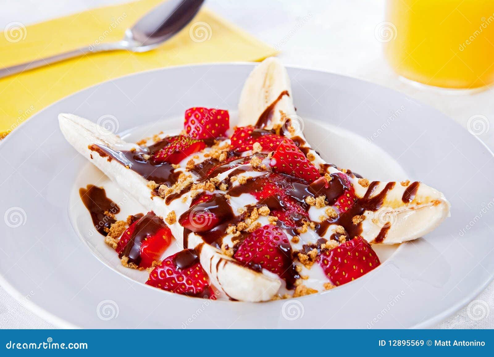 Delad yoghurt för banan