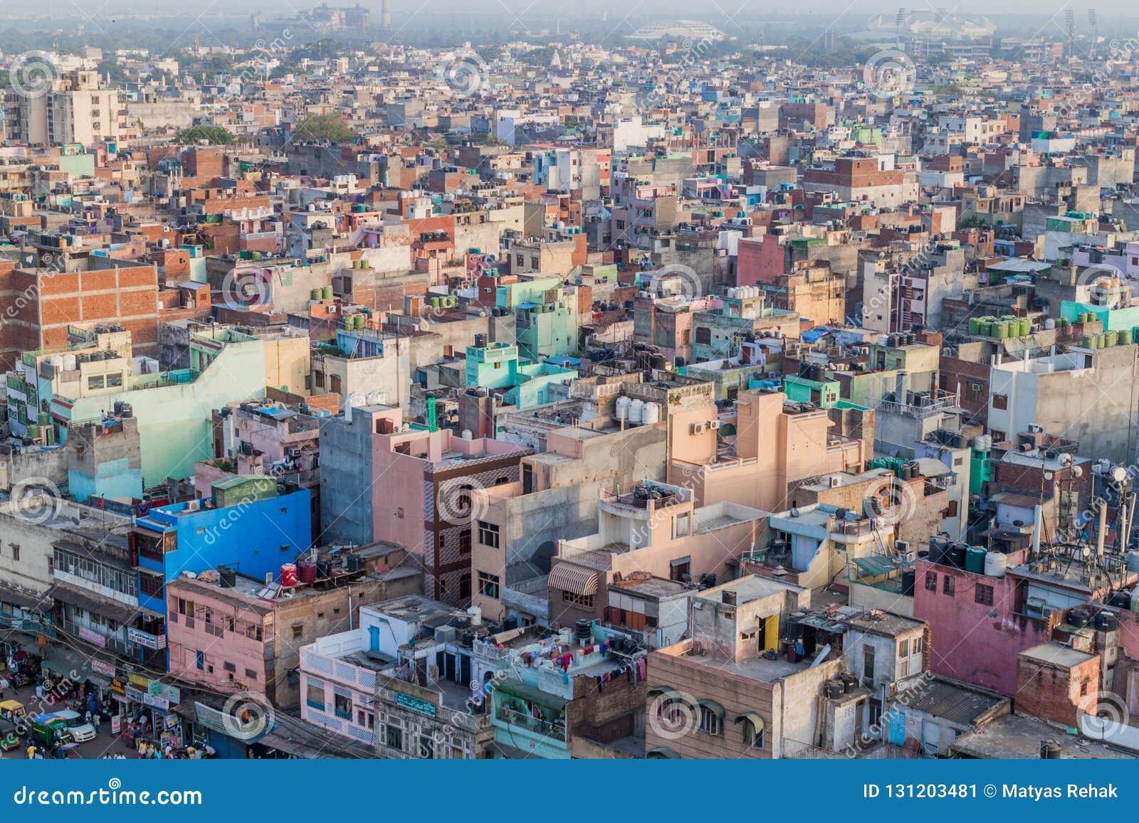 DELHI INDIEN - OKTOBER 22, 2016: Flyg- sikt av gamla Delhi, Indi
