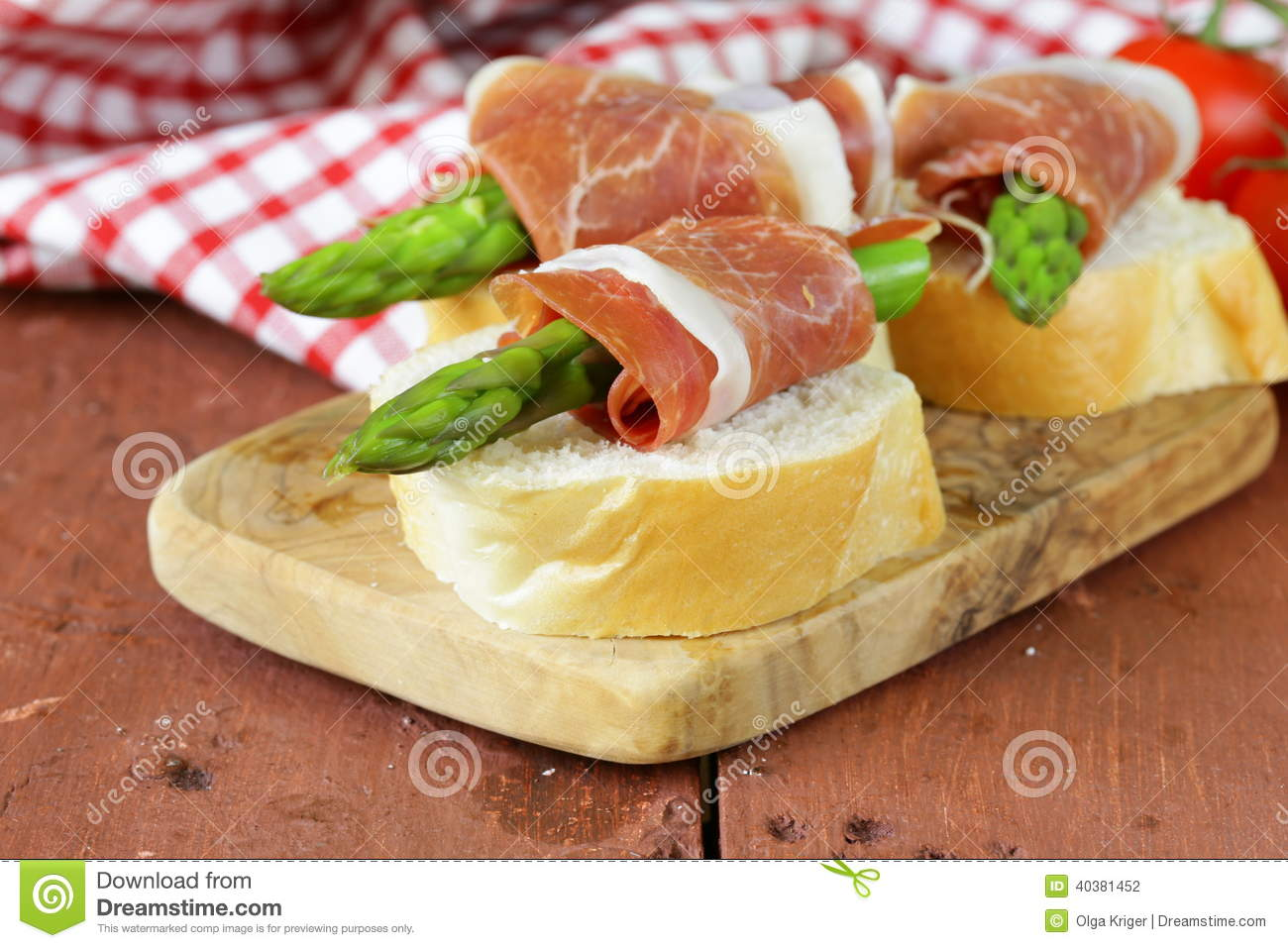 Delicacy appetizer green asparagus and ham