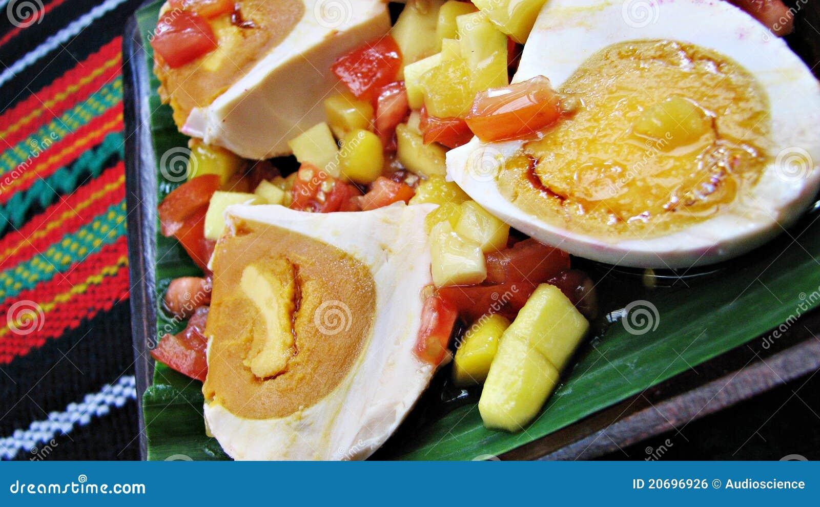 Delicadeza salada roja del asiático de la ensalada del huevo