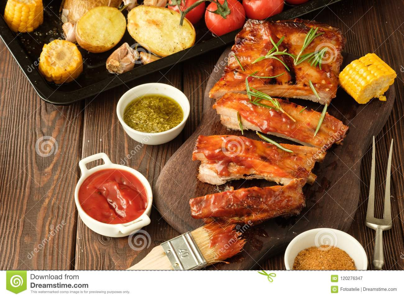 Delicious barbecued ribs seasoned with a spicy basting sauce and