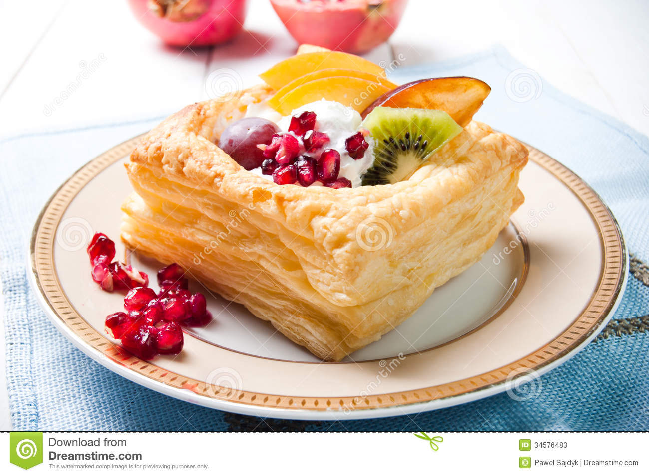 Pastry Clip Art Delicious puff pastry with