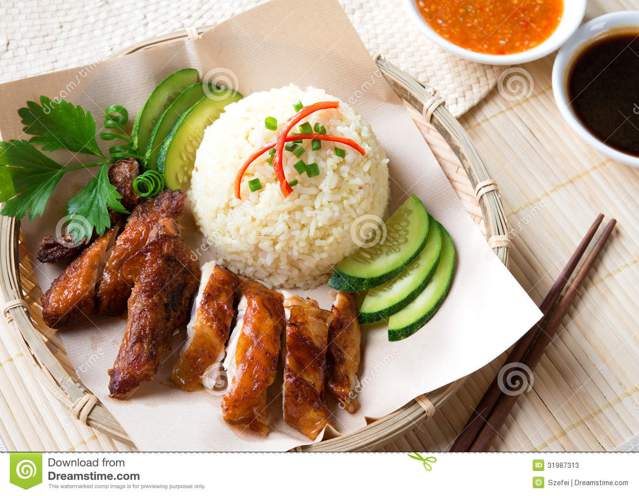 Delicious Singapore chicken rice. Asian style Hainan chicken rice ...