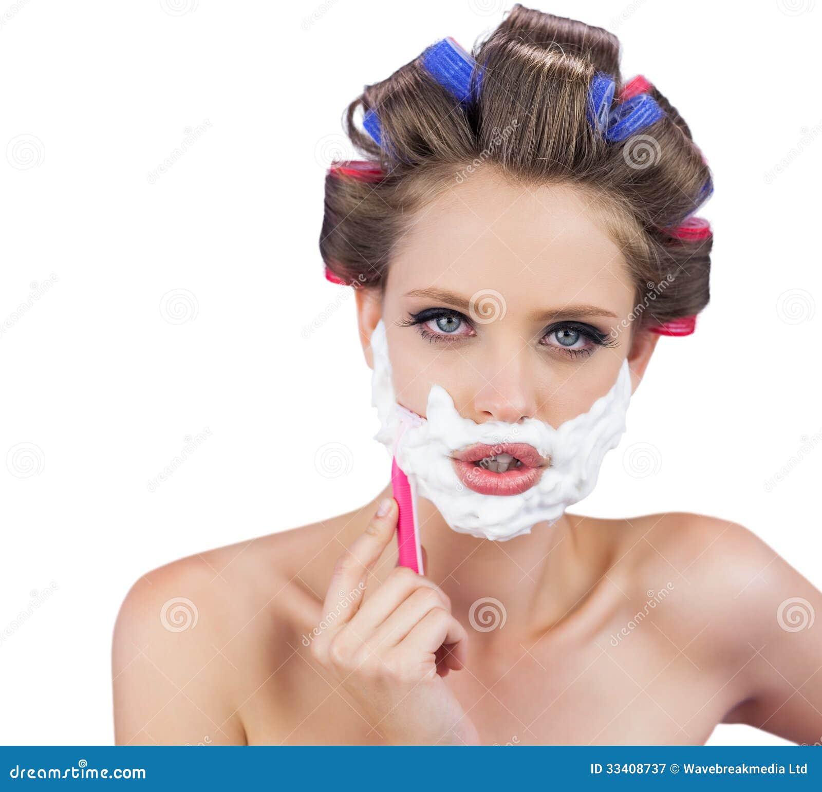 Смотреть как женщина бреется 7 фотография