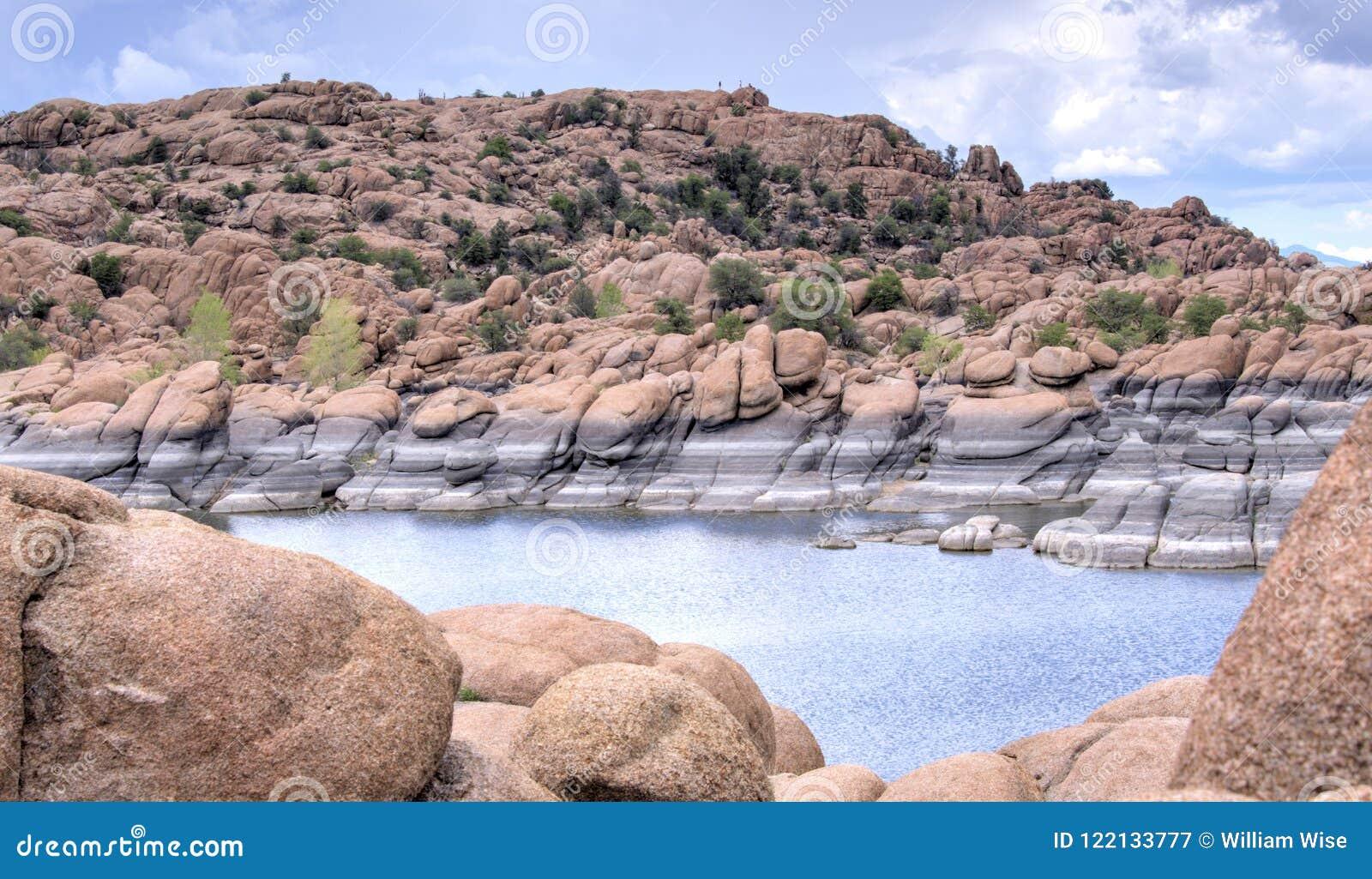 Dell гранита и парк Riparian Уотсона озера, Prescott Аризона США
