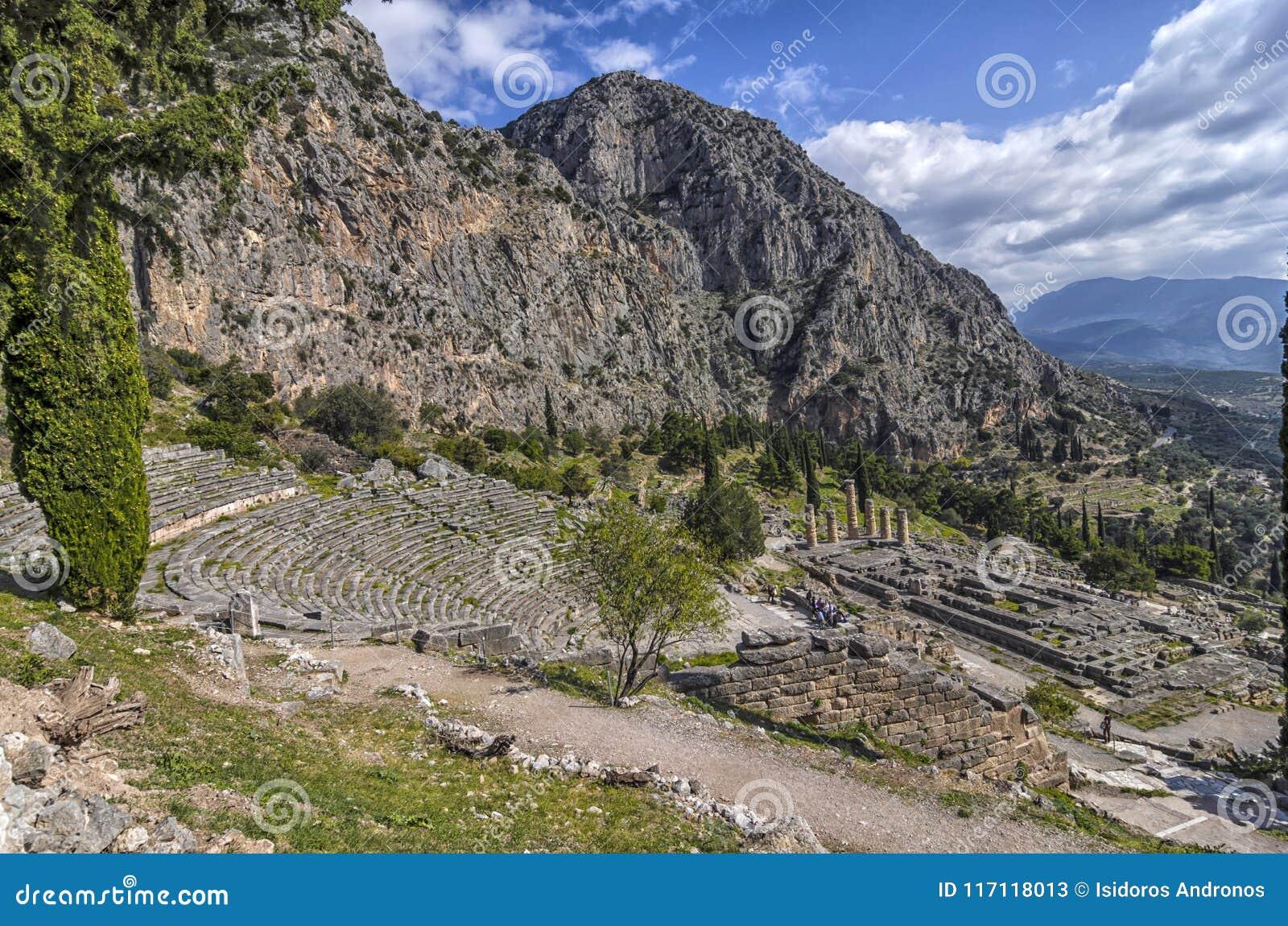 Delphes, Grèce Le théâtre antique de Delphes et le temple d Apollo
