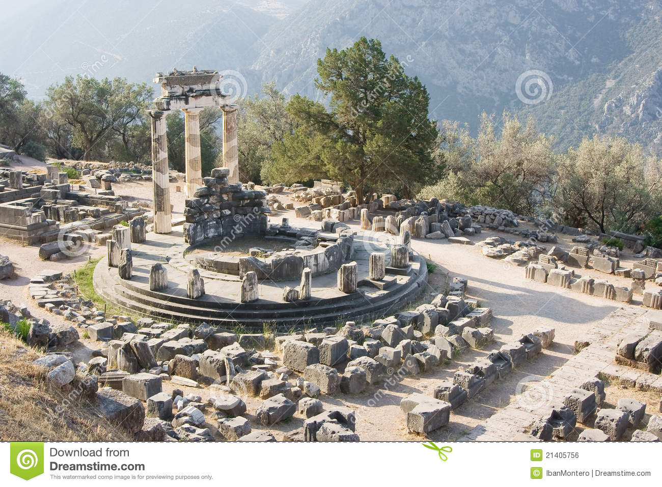 Delphi Greece  city photo : ... the mount parnassus and the oracle of delphi historic place in Greece