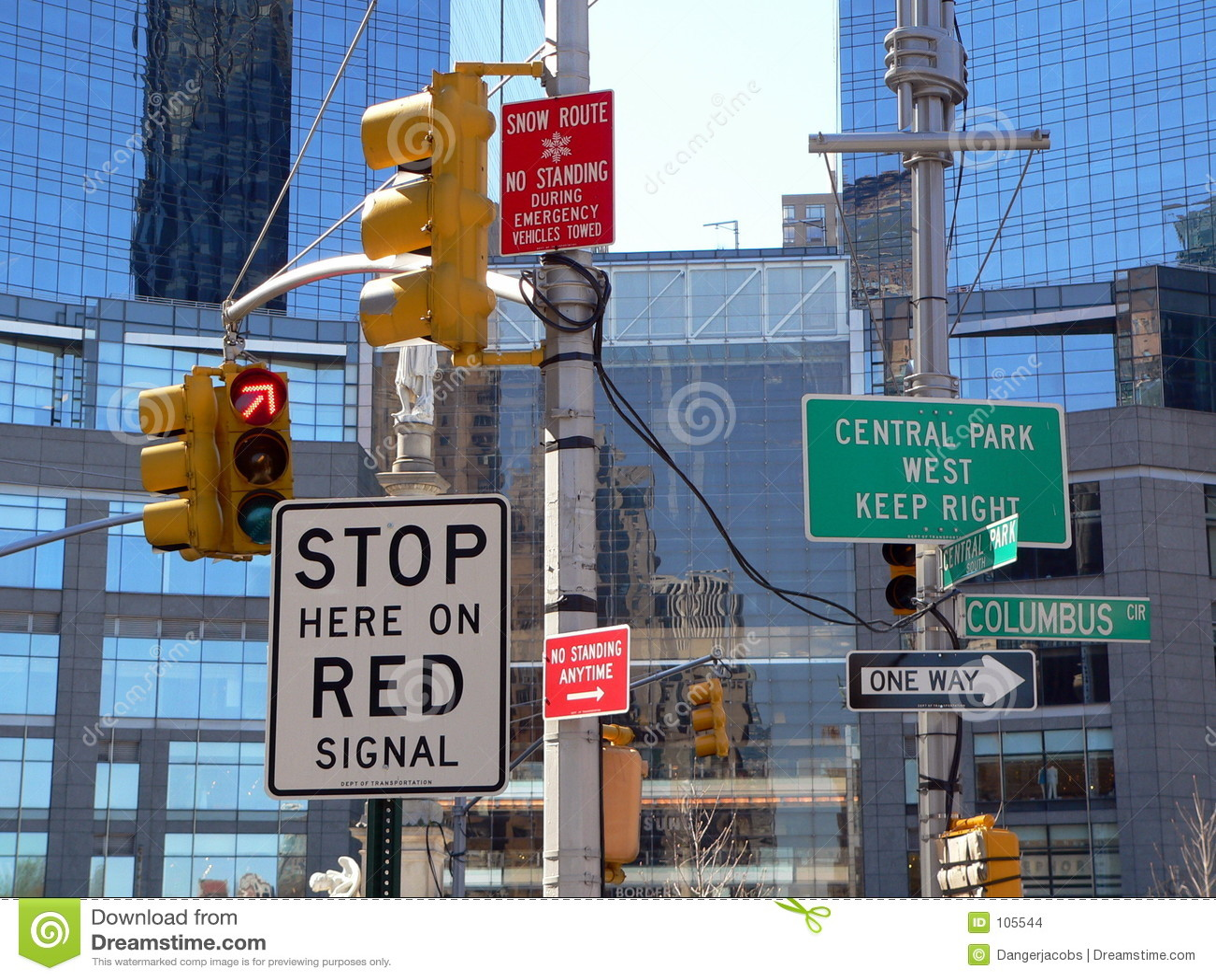 Demasiado assina dentro New York City