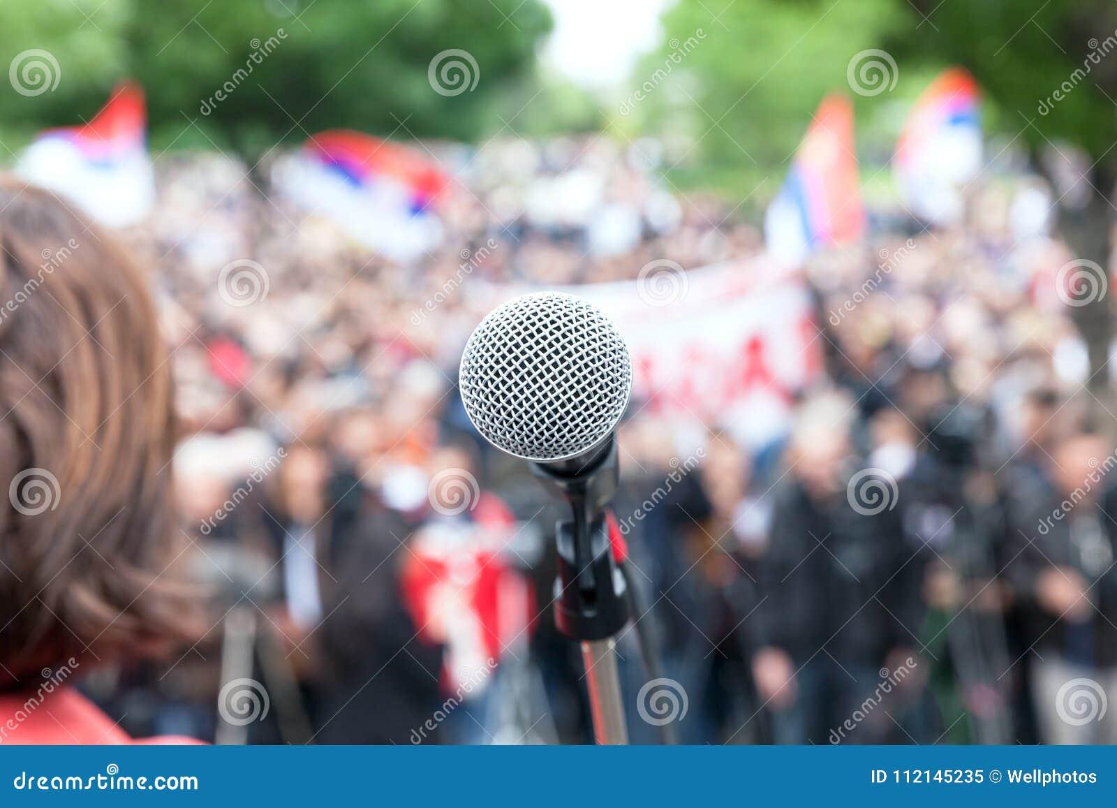Demonstração política do protesto Microfone no foco contra o bl