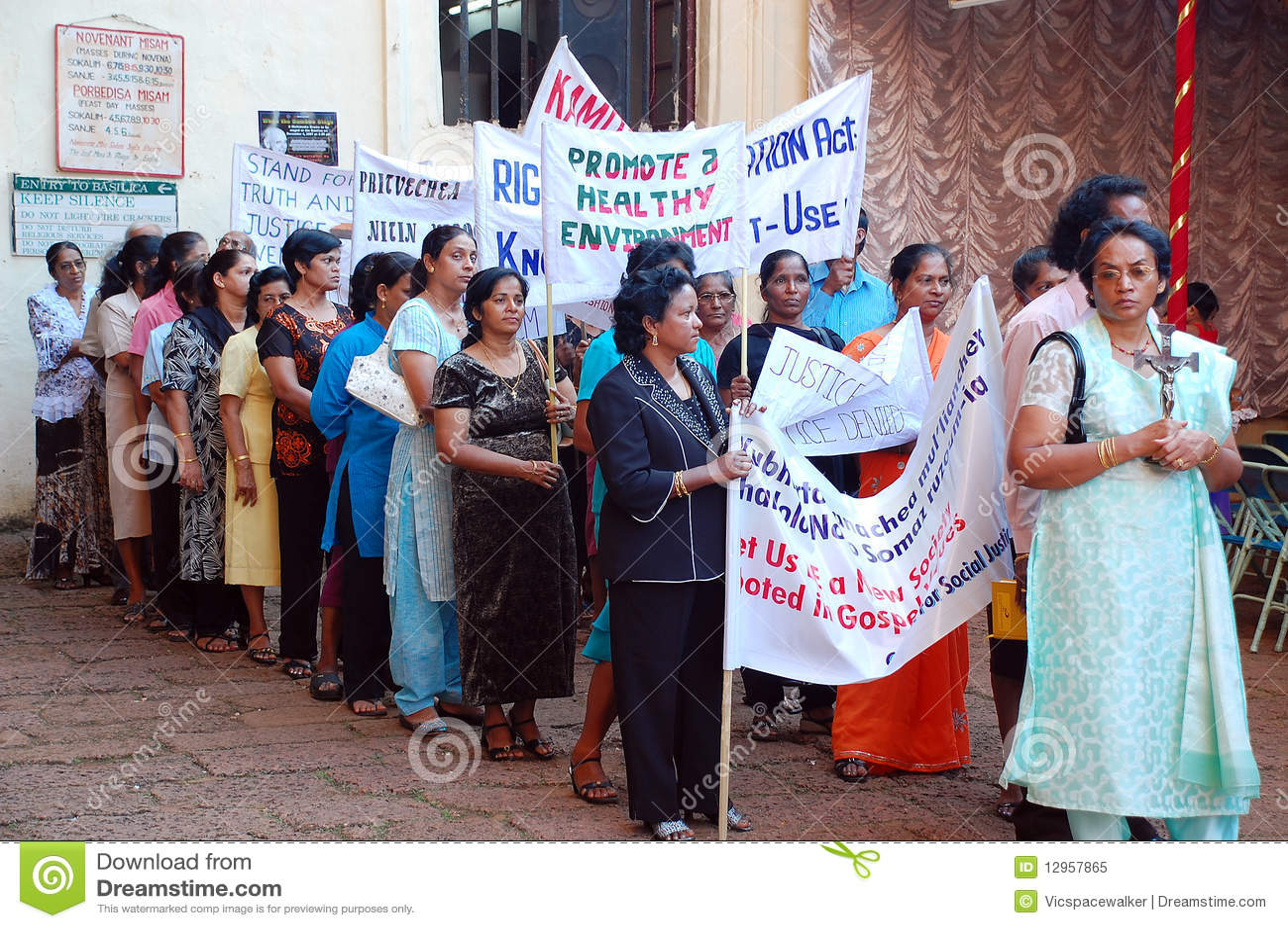 Demonstraci ind s kobiety