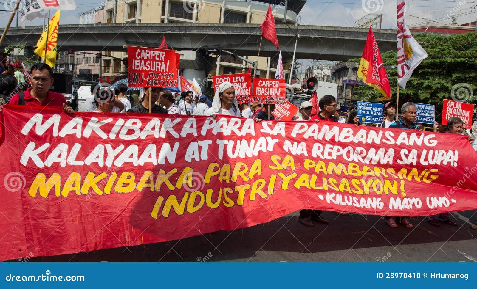 Demonstranci maszeruje w Manila