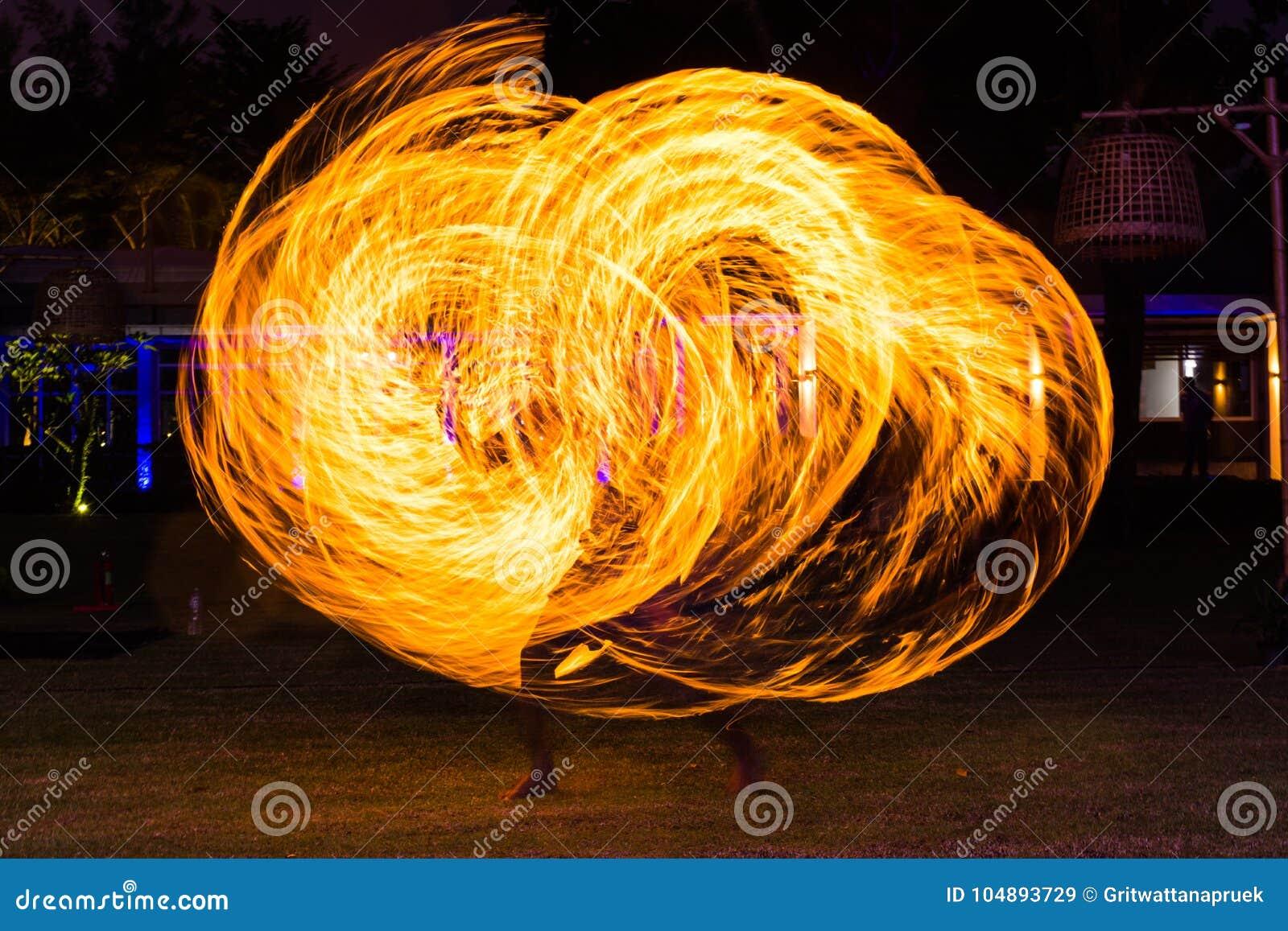 Demostración de la danza del fuego