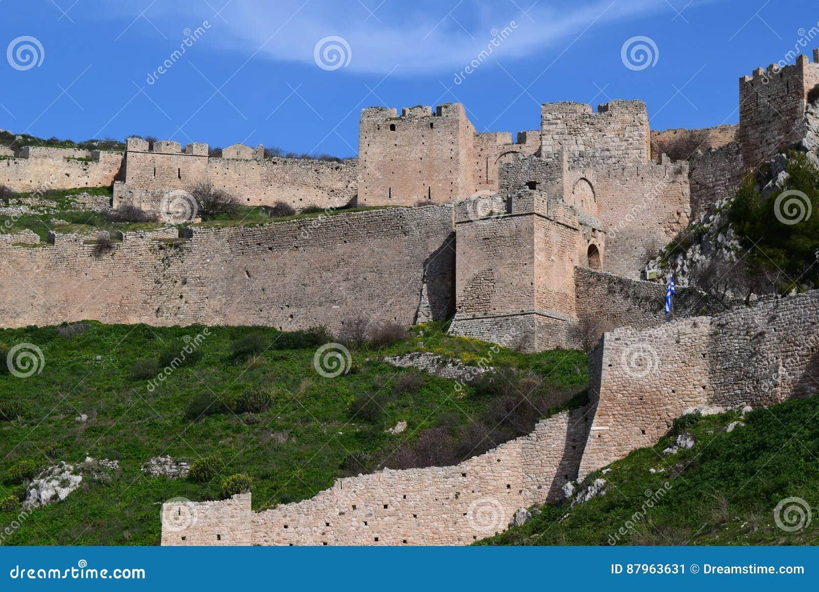 Den Acrocorinth fästningen, akropolen av forntida Corinth